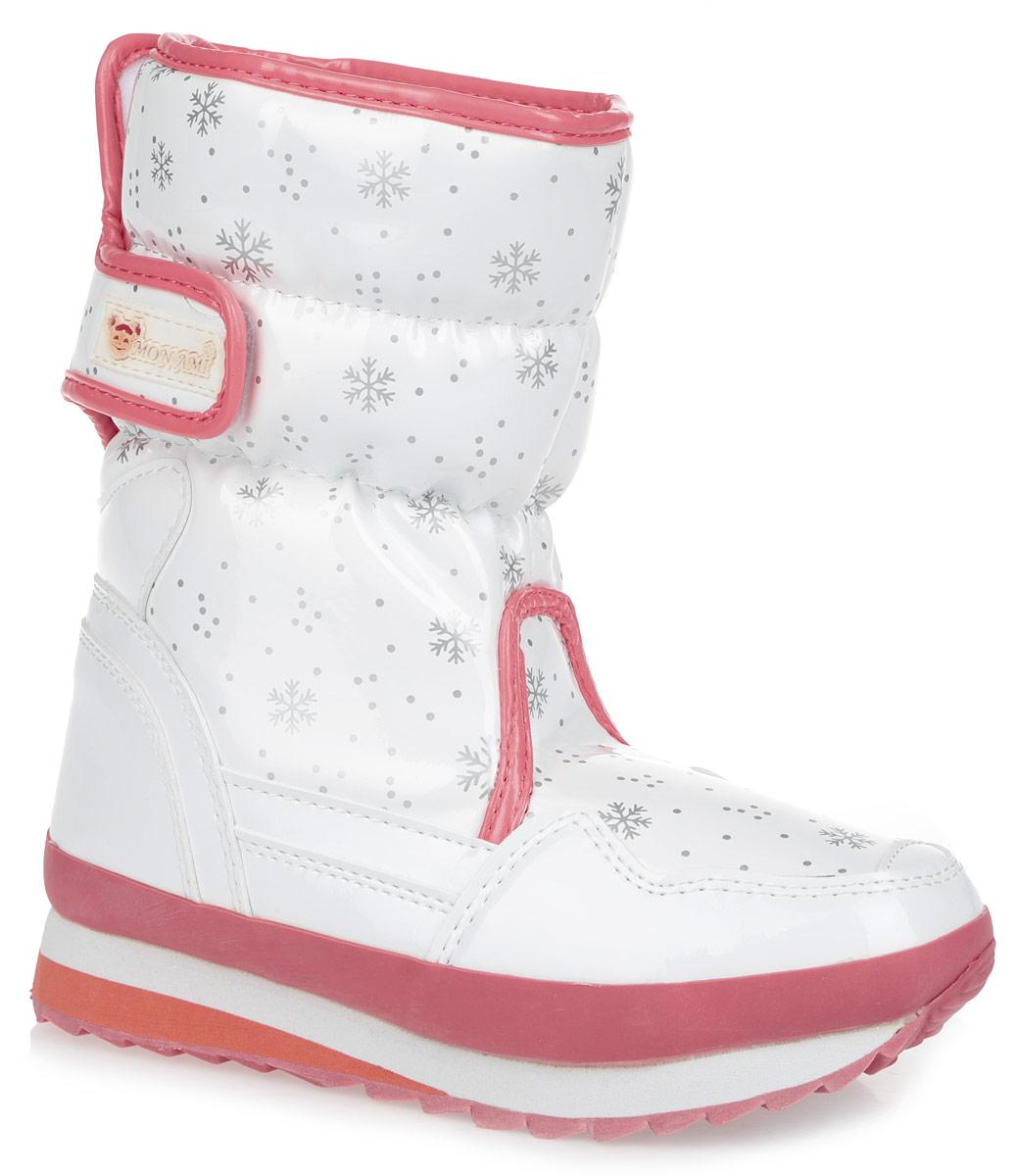Дутики женские Mon Ami, цвет: белый, розовый, серый. RC825-2-61. Размер 38RC825-2-61/WHITE/PINKПрактичные и удобные женские дутики от Mon Ami - отличный вариант на каждый день. Модель выполнена из искусственной лаковой кожи с отделкой контрастного цвета и декорирована оригинальным рисунком в виде снежинок. По ранту обувь дополнена вставкой из полимерного материала. Верх изделия оформлен двумя удобными застежками-липучками, которые надежно фиксируют модель на ноге и регулируют объем. Подкладка и анатомическая стелька, изготовленные из искусственного меха, согреют ноги в мороз и обеспечат уют. Сбоку дутики украшены нашивкой из ПВХ с логотипом бренда. Подошва из полимерного термопластичного материала - с противоскользящим рифлением. Удобные дутики придутся вам по душе.