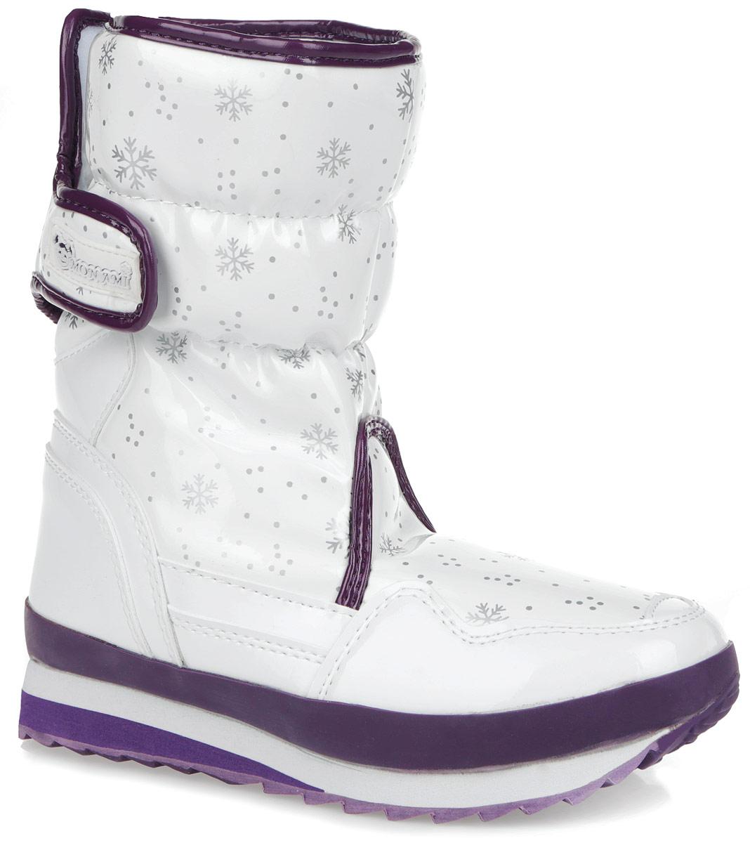 Дутики женские Mon Ami, цвет: белый, фиолетовый, серый. RC825-2-63. Размер 38RC825-2-63/WHITE+LILACПрактичные и удобные женские дутики от Mon Ami - отличный вариант на каждый день. Модель выполнена из искусственной лаковой кожи с отделкой контрастного цвета и декорирована оригинальным рисунком в виде снежинок. По ранту обувь дополнена вставкой из полимерного материала. Верх изделия оформлен двумя удобными застежками-липучками, которые надежно фиксируют модель на ноге и регулируют объем. Подкладка и анатомическая стелька, изготовленные из искусственного меха, согреют ноги в мороз и обеспечат уют. Сбоку дутики украшены нашивкой из ПВХ с логотипом бренда. Подошва из полимерного термопластичного материала - с противоскользящим рифлением. Удобные дутики придутся вам по душе.