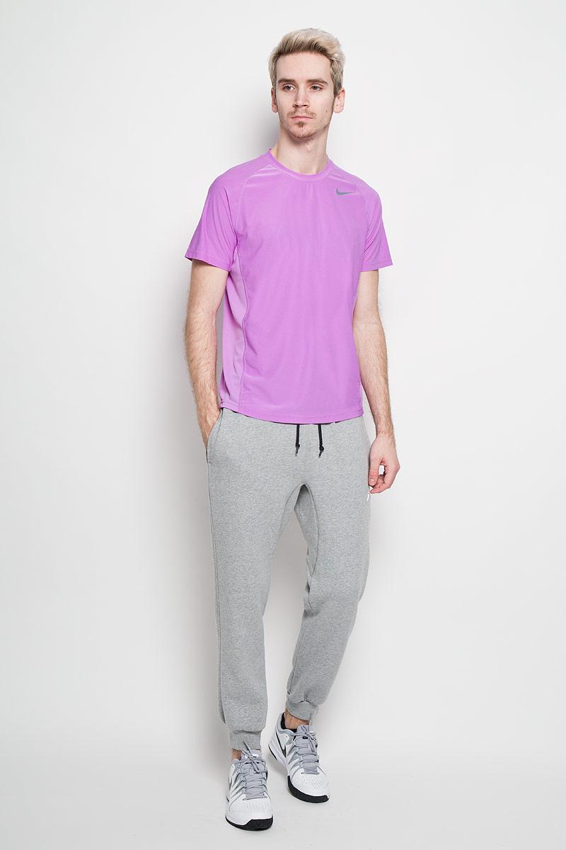 Футболка для фитнеса мужская Nike Advantage, цвет: сиреневый. 523215-554. Размер L (50/52)523215-554Превосходная мужская футболка для фитнесаNike Advantage, выполненная из комфортного материала с функцией отвода влаги, приятная на ощупь, не сковывает движения, обеспечивая наибольший комфорт.Сетчатые вставки из полиэстера обеспечивают превосходную воздухопроницаемость.Модель с комфортными плоскими швами, круглым вырезом горловины и короткими рукавами спереди дополнена фирменным логотипом бренда. Отличный вариант как для занятий спортом, так и для повседневного использования.