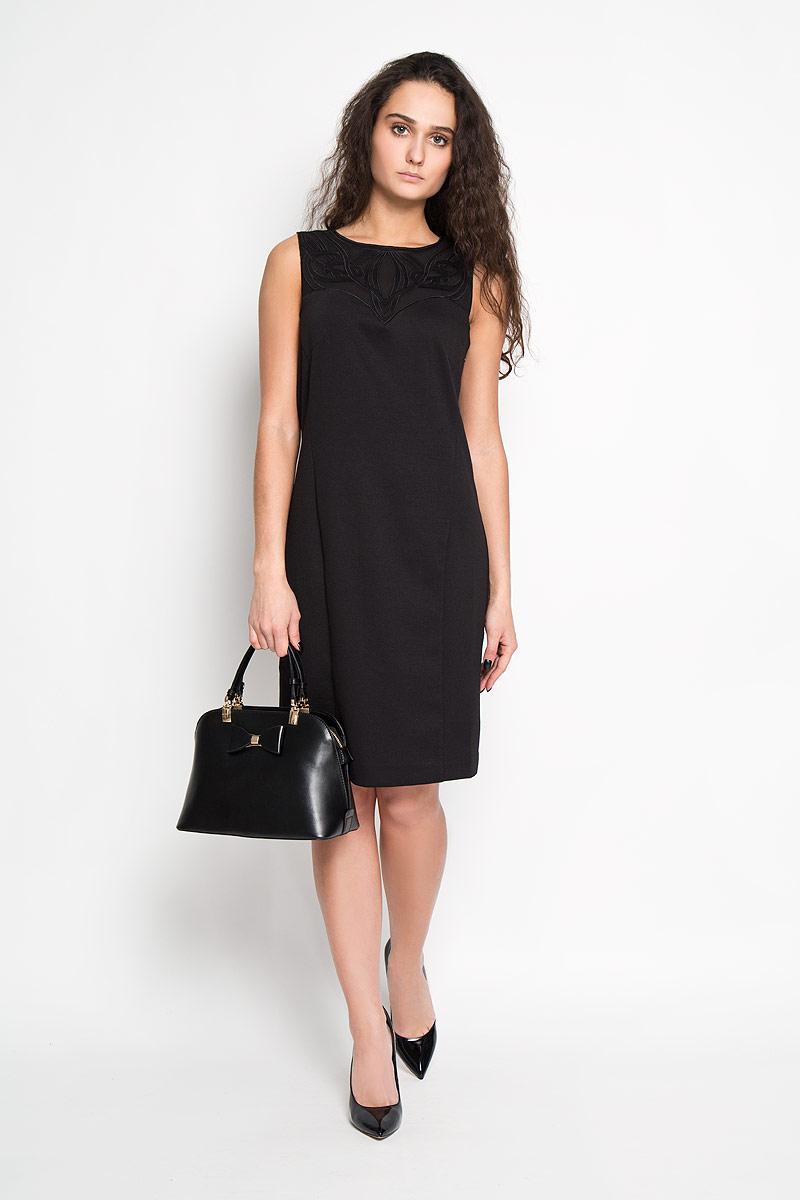 Платье Sela, цвет: черный. Dksl-117/677-5416D. Размер L (48)Dksl-117/677-5416DЭлегантное платье Sela выполнено из высококачественного комбинированного материала. Такое платье обеспечит вам комфорт и удобство при носке.Модель без рукавов, с круглым вырезом горловины выгодно подчеркнет все достоинства вашей фигуры благодаря слегка приталенному силуэту. Платье застегивается на пуговицу на спинке. Изделие украшено объемной вышивкой по горловине и на спинке. Изысканное платье-миди создаст обворожительный и неповторимый образ.Это модное и удобное платье станет превосходным дополнением к вашему гардеробу, оно подарит вам удобство и поможет вам подчеркнуть свой вкус и неповторимый стиль.