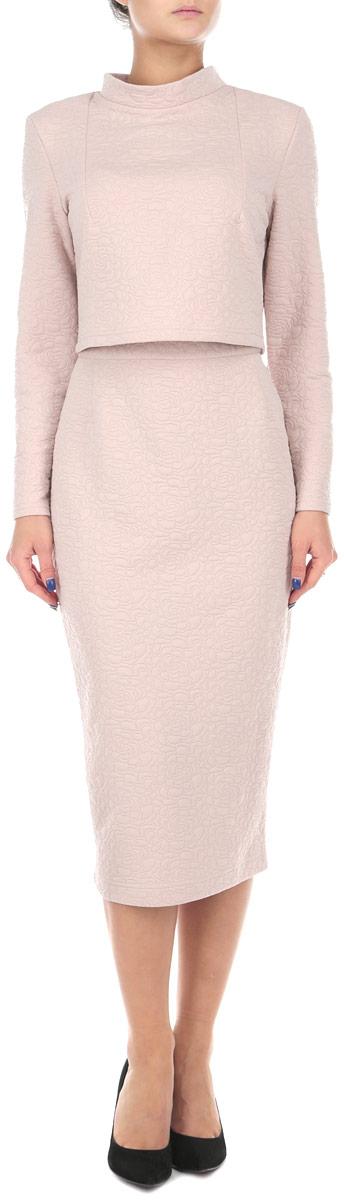 Комплект женский Lautus: жакет, юбка, цвет: светло-розовый. к502. Размер 54к502Стильный женский комплект Lautus, состоящий из жакета и юбки, станет отличным дополнением к вашему гардеробу. Элегантный жакет с воротником-стойкой и длинными рукавами застегивается по спинке на крупные декоративные пуговицы. Облегающая юбка-карандаш отлично подчеркнет достоинства вашей фигуры. Юбка застегивается сзади на застежку-молнию и на пуговицу.В таком наряде вы, безусловно, привлечете восхищенные взгляды окружающих.