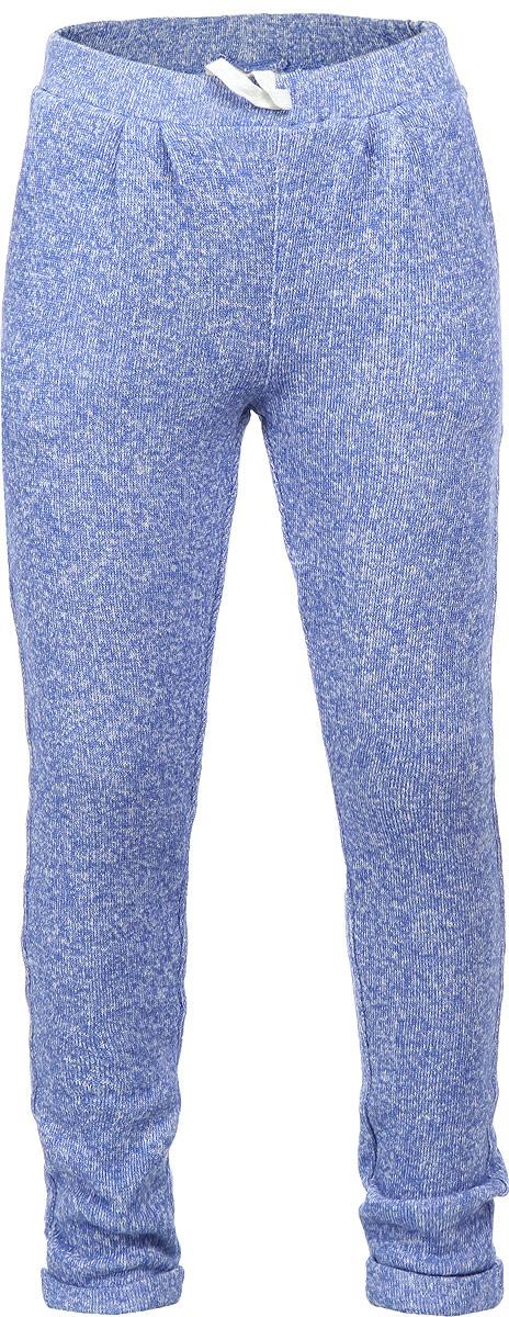 Брюки для девочки Sela, цвет: голубой, белый. Pk-515/105-6131. Размер 104, 4 годаPk-515/105-6131Утепленные вязаные брюки для девочки Sela идеально подойдут вашей дочурке и станут отличным дополнением к детскому гардеробу. Изготовленные из хлопка с добавлением полиэстера, они необычайно мягкие и приятные на ощупь, не сковывают движения, не раздражают нежную кожу ребенка, обеспечивая ему наибольший комфорт. Брюки на талии имеют широкую эластичную резинку со шнурком, благодаря чему они не сдавливают животик ребенка и не сползают. Спереди они дополнены двумя втачными кармашками. Низ брючин оформлен небольшими декоративными отворотами. В таких брюках ваша дочурка будет чувствовать себя комфортно, уютно и всегда будет в центре внимания!