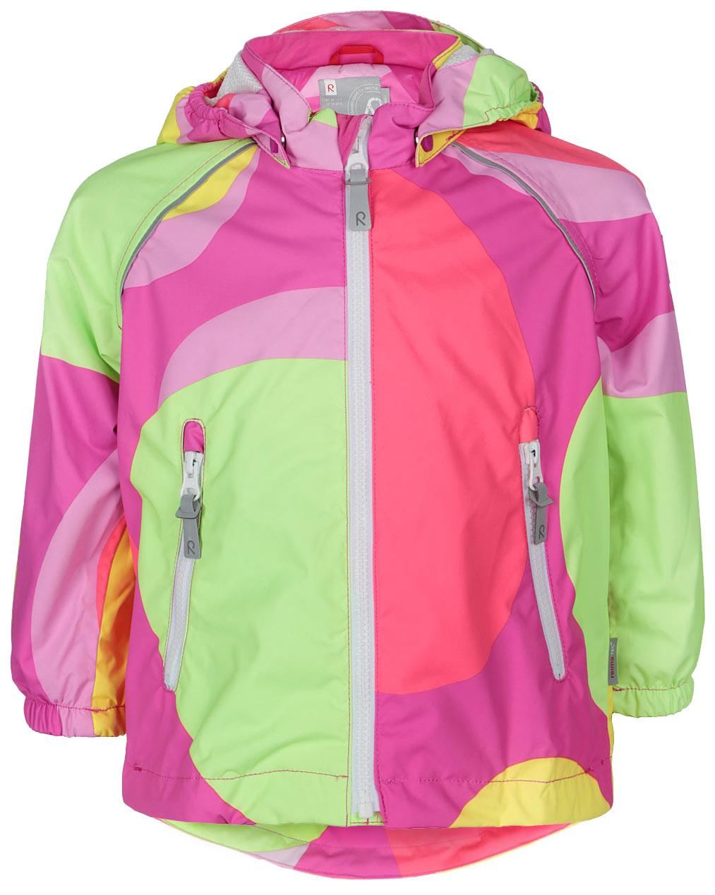 Куртка детская Reima Foamy, цвет: розовый, салатовый, лимонный. 511201C-4724. Размер 92511201C_4724Детская куртка Reima Foamy идеально подойдет для ребенка в прохладное время года. Куртка изготовлена из водоотталкивающей и ветрозащитной мембранной ткани. Материал отличается высокой устойчивостью к трению, благодаря специальной обработке полиуретаном поверхность изделия отталкивает грязь и воду, что облегчает поддержание аккуратного вида одежды, дышащее покрытие с изнаночной части не раздражает даже самую нежную и чувствительную кожу ребенка, обеспечивая ему наибольший комфорт.Куртка с капюшоном и длинными рукавами-реглан застегивается на пластиковую застежку-молнию с защитой подбородка, благодаря чему ее легко надевать и снимать, и дополнительно имеет внутреннюю ветрозащитную планку. Капюшон, присборенный по бокам, защитит нежные щечки от ветра, он пристегивается к куртке при помощи застежек-кнопок. Низ рукавов дополнен неширокими эластичными манжетами. Мягкая подкладка на воротнике и манжетах обеспечивает дополнительный комфорт. Спинка изделия удлинена. Спереди куртка дополнена двумя прорезными карманами на застежках-молниях с удобными держателями. Понизу изделия проходит регулируемая эластичная резинка со стопперами. На модели предусмотрены светоотражающие элементы для безопасности в темное время суток. Все основные швы проклеены, не пропускают влагу и ветер. Оформлено изделие оригинальным принтом. С внутренней стороны изделие оснащено специальными кнопками Reima Play Layers для пристегивания промежуточного слоя к верхней одежде. Комфортная, удобная и практичная куртка идеально подойдет для прогулок и игр на свежем воздухе!