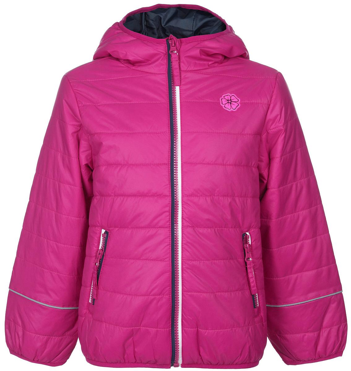 Куртка для девочки Sela, цвет: фуксия. Cp-526/615-6102. Размер 110, 5 летCp-526/615-6102Яркая куртка для девочки Sela идеально подойдет вашему ребенку в прохладную погоду. Модель изготовлена из нейлона на подкладке из полиэстера, в качестве утеплителя используется тонкая прослойка синтепона. Благодаря своему составу, куртка очень легкая, максимально удерживает тепло, отлично сохраняет свой внешний вид даже при многократных стирках, быстро сохнет. Куртка с капюшоном застегивается на пластиковую молнию с защитой подбородка и дополнительно имеет внутреннюю ветрозащитную планку. Капюшон не отстегивается, дополнен по краю скрытой эластичной резинкой. Спереди предусмотрены два прорезных кармана на застежках-молниях. По краям рукавов и по низу изделия проходит эластичная резинка. Куртка дополнена светоотражающими элементами для безопасности ребенка в темное время суток. Спереди модель украшена яркой нашивкой в виде цветка.Легкая, комфортная и теплая куртка идеально подойдет для прогулок и игр на свежем воздухе!