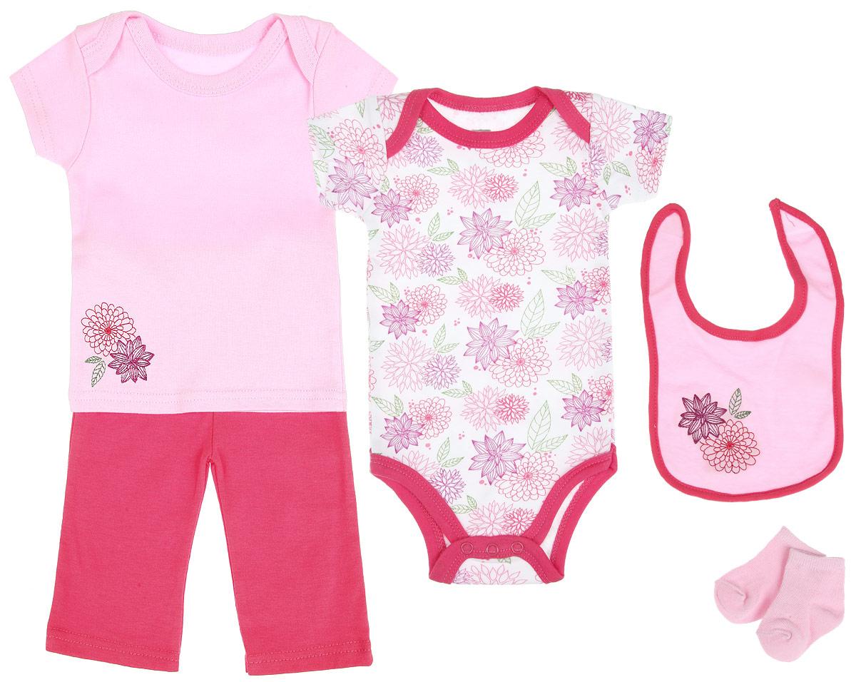 Подарочный комплект для новорожденного Hudson Baby Цветочек, 5 предметов, цвет: розовый, белый, зеленый. 58105. Размер 55/61, 0-3 месяца58105Комплект для новорожденного Hudson Baby Цветочек - это замечательный подарок, который прекрасно подойдет для первых дней жизни малышки. Комплект состоит из боди, футболки, штанишек, нагрудника и носочков. Одежда выполнена из натурального хлопка, не сковывает движения и позволяет коже дышать, не раздражает даже самую нежную и чувствительную кожу ребенка, обеспечивая ему наибольший комфорт. Носочки изготовлены из хлопка с добавлением нейлона и спандекса, нагрудник - из хлопка и полиэстера. Удобное боди с круглым вырезом горловины и короткими рукавами имеет специальные запахи на плечах и кнопки на ластовице, что значительно облегчает процесс переодевания ребенка и смену подгузника. Украшено изделие цветочным принтом.Футболка с короткими рукавами и круглым вырезом горловины также имеет запахи на плечах. Спереди модель декорирована вышивкой с изображением цветов. Штанишки на талии имеют мягкую резинку, не сдавливают животик малышки и не сползают. Они отлично сочетаются с футболками и кофточками. Комфортные и прочные носочки с мягкой резинкой плотно облегают ножку ребенка, не сдавливая ее, благодаря чему малышке будет комфортно и удобно. Нагрудник незаменим при кормлении и поможет сохранить одежду ребенка сухой и чистой. Крепится при помощи липучек. Изделие украшено вышивкой.Мягкий и практичный трикотаж в сочетании с оригинальным дизайном - идеальный вариант для подарка. Вещи хорошо смотрятся вместе, могут использоваться самостоятельно, а также в сочетании с другими предметами гардероба. В таком комплекте ваша маленькая принцесса будет чувствовать себя комфортно, уютно и всегда будет в центре внимания!