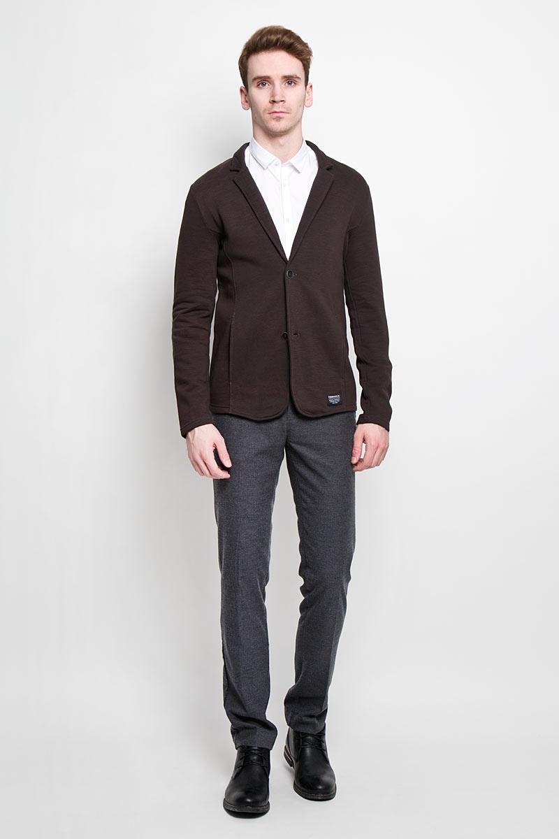 Кардиган мужской Tom Tailor Denim, цвет: темно-коричневый. 2529960.00.12. Размер S (46)2529960.00.12Потрясающий мужской кардиган Tom Tailor Denim будет гармонично смотреться в сочетании с джинсами. Кардиган выполнен из высококачественных материалов. С внутренней стороны дополнен флисом, приятен к телу. Застегивается на пуговицы по всей длине изделия. Модель имеет два арезных кармана. Внизу изделия расположена нашивка с логотипом бренда.Отличный вариант для создания стильного образа.