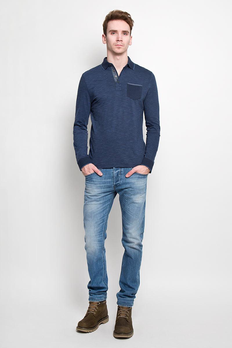 Поло с длинным рукавом мужское Tom Tailor, цвет: синий. 1530744.00.10. Размер S (46)1530744.00.10Стильная мужская футболка-поло Tom Tailor, изготовленная из высококачественного 100% хлопка, мягкая и приятная на ощупь, не сковывает движений и обеспечивает наибольший комфорт.Модель с отложным воротником-поло и длинными рукавами великолепно подойдет для создания современного образа в стиле Casual. Сверху изделие застегивается на четыре пуговицы. Манжеты и воротник выполнены эластичным трикотажем, что предотвращает деформацию при носки. На груди футболка-поло оформлена накладным кармашком. Эта модель послужит отличным дополнением к вашему гардеробу. В ней вы всегда будете чувствовать себя уютно и комфортно.