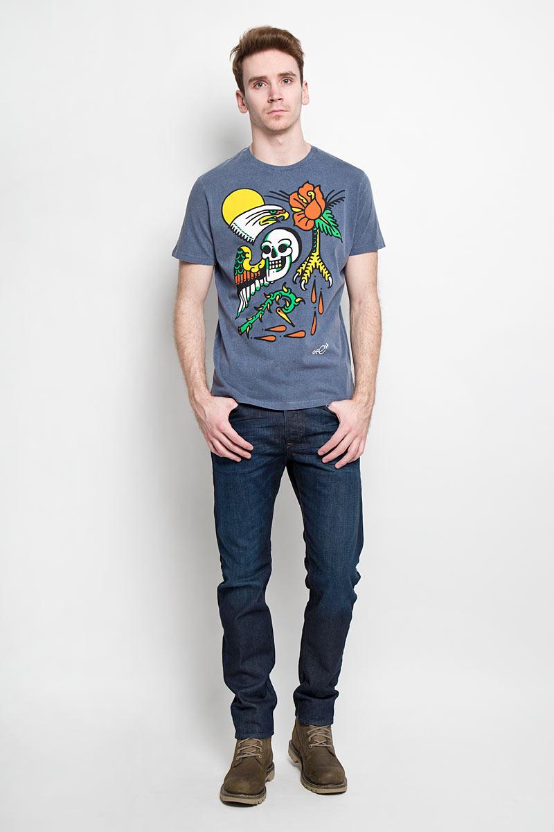Футболка мужская Diesel, цвет: серо-синий. 00SN53_0GAKN/81E. Размер M (48)00SN53_0GAKNСтильная мужская футболка Diesel - идеальное решение для повседневной носки. Эта практичная, приятная на ощупь модель, выполненная из 100% хлопка,прекрасно пропускающего воздух, она позволит вам чувствовать себя уверенно илегко. Удобный крой обеспечивает свободу движений. Лицевая сторона футболкиоформлена оригинальным принтом. Эта футболка - идеальный вариант длясоздания эффектного образа.