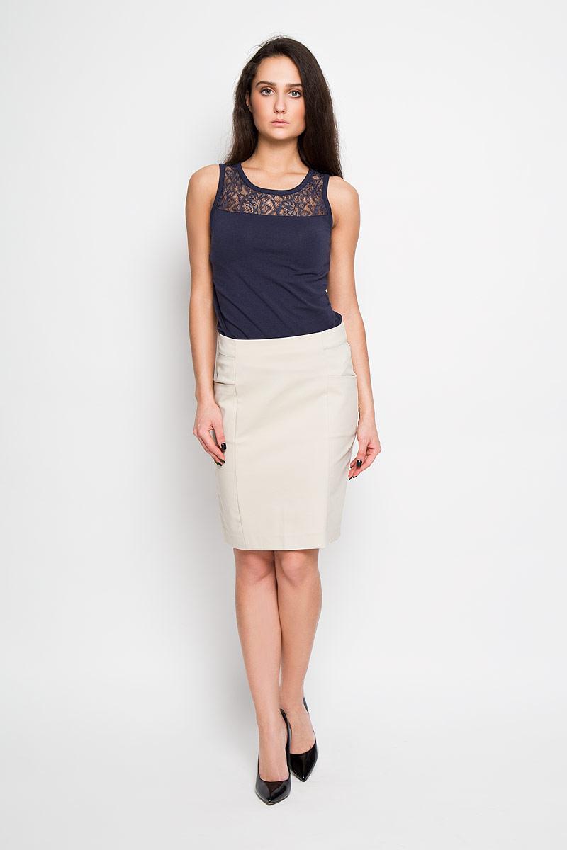 Юбка Sela, цвет: песочный. SK-118/781-6122. Размер 44SK-118/781-6122Эффектная юбка Sela подчеркнет вашу женственность и неповторимый стиль.Оригинальная юбка выполнена из высококачественного комбинированного материала, благодаря чему она великолепно тянется, пропускает воздух и позволяет коже дышать. Юбка застегивается сзади на потайную застежку-молнию, спереди дополнена карманами.Модная юбка-миди выгодно освежит и разнообразит ваш гардероб. Создайте женственный образ и подчеркните свою яркую индивидуальность! Классический фасон и оригинальное оформление этой юбки сделают ваш образ непревзойденным.