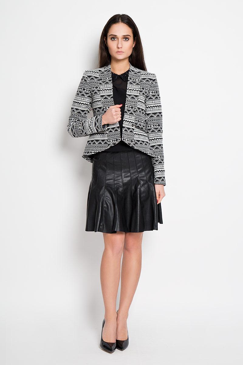 Пиджак женский Tom Tailor Denim, цвет: черный, светло-серый. 3922336.00.71. Размер XS (42)3922336.00.71Потрясающий женский пиджак Tom Tailor Denim, выполненный из высококачественного трикотажного материала, очень приятен при носке. Модель приталенного кроя с длинными рукавами - идеальный вариант для создания образа в стиле Casual. Пиджак без застежки. Изделие оформлено геометрическим принтом. Спереди предусмотрены втачные карманы на металлических молниях. Низ спинки дополняет небольшой разрез. Такая модель будет дарить вам комфорт в течение всего дня и послужит замечательным дополнением к вашему гардеробу.