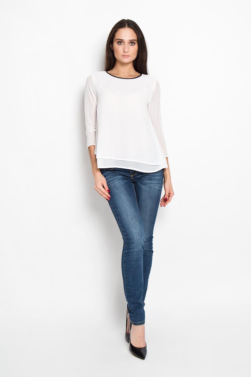 Блузка женская Tom Tailor Denim, цвет: молочный. 2031249.00.71. Размер XXS (40)2031249.00.71Стильная женская блуза Tom Tailor Denim, выполненная из струящейся легкой ткани, подчеркнет ваш уникальный стиль и поможет создать оригинальный женственный образ.Блузка свободного кроя и немного расклешенная к низу, с рукавами 3/4 и круглым вырезом горловины. Модель выполнена в два слоя. Горловина обработана по краю окантовкой из искусственной кожи. Легкая блуза идеально подойдет для летних дней. Такая блузка будет дарить вам комфорт в течение всего дня и послужит замечательным дополнением к вашему гардеробу.