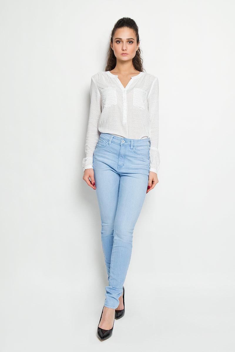 Джинсы женские Tom Tailor Denim, цвет: голубой. 6204328.63.71. Размер 27-30 (42/44-30)6204328.63.71Стильные женские джинсы Tom Tailor Denim - джинсы высочайшего качества на каждый день, которые прекрасно сидят. Модель-скинни изготовлена из эластичного хлопка. Изделие оформлено не сильно заметным эффектом потёртостей.Застегиваются джинсы на пуговицу в поясе и ширинку на застежке-молнии, имеются шлевки для ремня. Спереди модель оформлены двумя втачными карманами и одним небольшим секретным кармашком, а сзади - двумя накладными карманами.Эти модные и в тоже время комфортные джинсы послужат отличным дополнением к вашему гардеробу. В них вы всегда будете чувствовать себя уютно и комфортно.