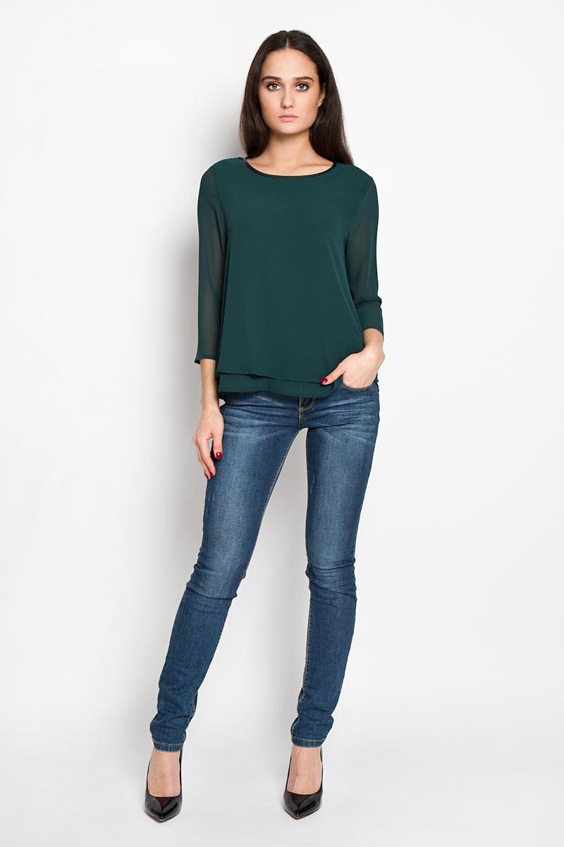 Блузка женская Tom Tailor Denim, цвет: темно-зеленый. 2031249.00.71. Размер XL (50)2031249.00.71Стильная женская блуза Tom Tailor Denim, выполненная из струящейся легкой ткани, подчеркнет ваш уникальный стиль и поможет создать оригинальный женственный образ.Блузка свободного кроя и немного расклешенная к низу, с рукавами 3/4 и круглым вырезом горловины. Модель выполнена в два слоя. Горловина обработана по краю окантовкой из искусственной кожи. Легкая блуза идеально подойдет для летних дней. Такая блузка будет дарить вам комфорт в течение всего дня и послужит замечательным дополнением к вашему гардеробу.
