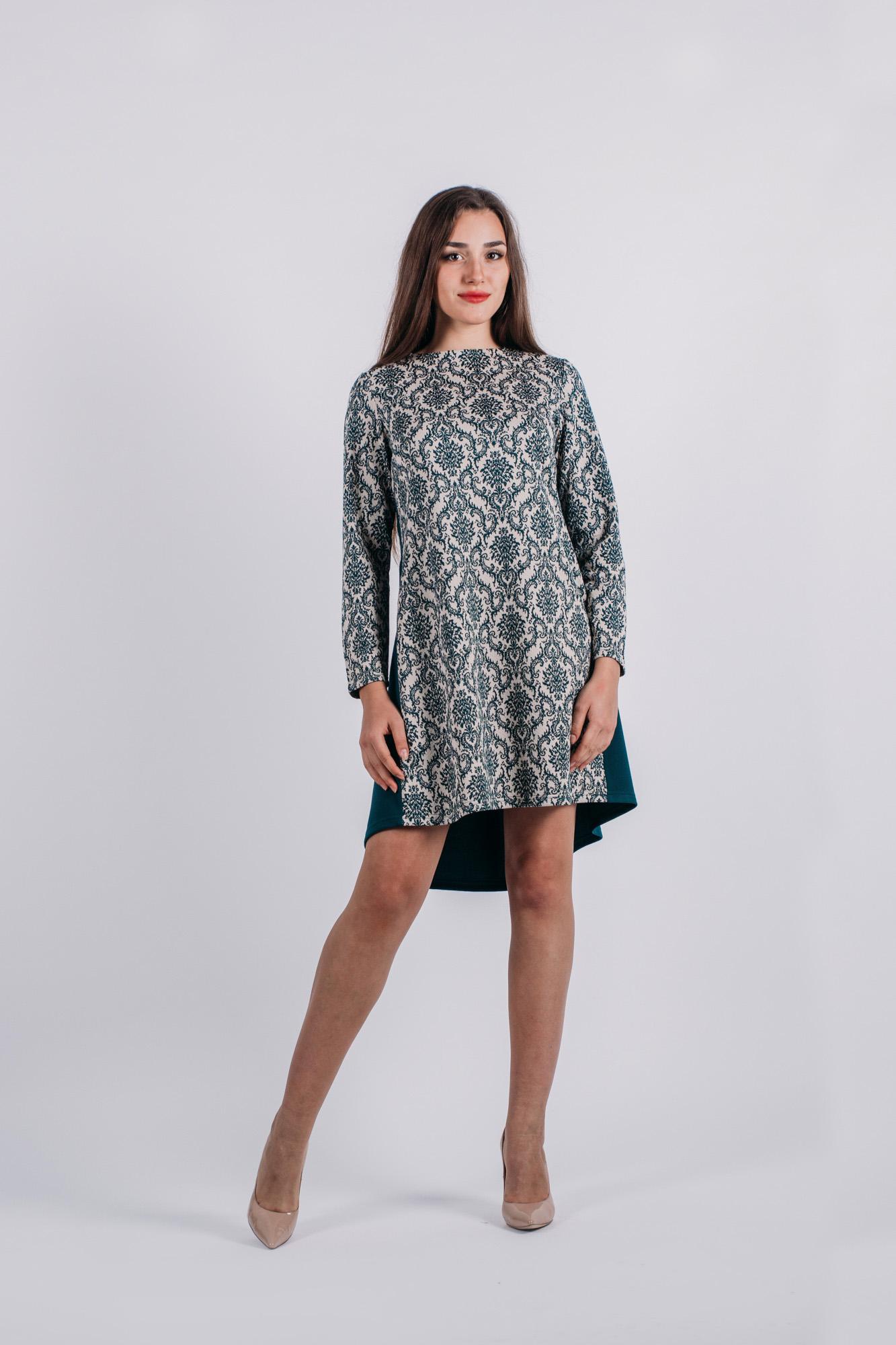 Платье Lautus, цвет: зеленый, молочный. 736. Размер 50736Стильное платье Lautus, выполненное из высококачественного материала, приятное на ощупь, не сковывает движения, обеспечивая наибольший комфорт. Модель свободного с круглым вырезом горловины и длинными рукавами от горловины на спинке застегивается на декоративные пластиковые пуговицы. Это яркое платье станет отличным дополнением к вашему гардеробу!