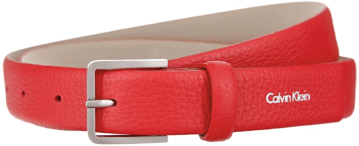 Ремень женский Calvin Klein, цвет: красный. K60K601277. Размер 90PGW330 BrownЭффектный женский ремень Calvin Klein станет великолепным дополнением к любому образу. Широкий ремень изготовлен из натуральной кожи с тонким рельефным тиснением. Прямоугольная пряжка выполнена из блестящего металла, она позволит вам легко и быстро зафиксировать ремень и отрегулировать его длину. Элегантный и строгий ремень превосходно сочетается с любыми нарядами. Этот стильный аксессуар прекрасно дополнит ваш образ и позволит вам подчеркнуть свой вкус и индивидуальность.Уважаемые клиенты! Обращаем ваше внимание на тот факт, что размер ремня, доступный для заказа, является его длиной.