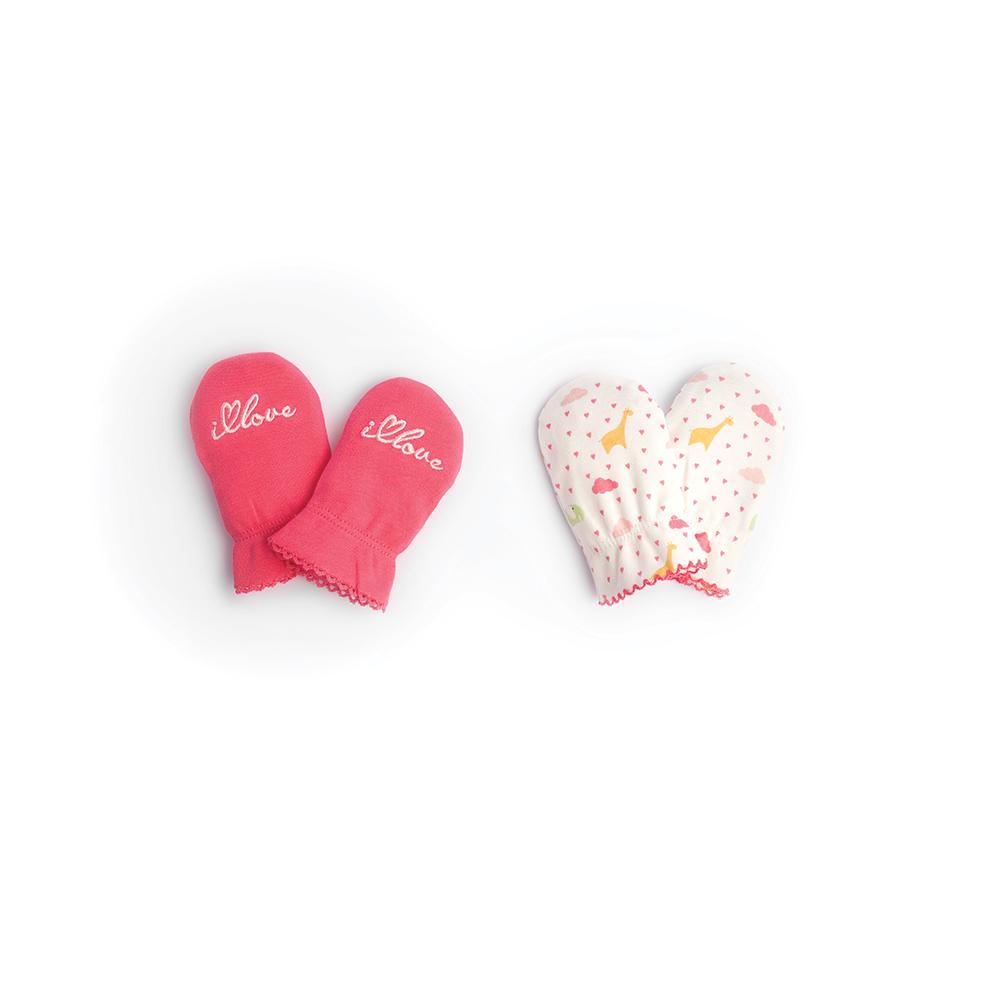 Рукавички для новорожденного Babydays It Rains Love, цвет: белый, розовый, 2 пары. bd20030. Размер универсальный, 0-6 месяцев0506-203 IRL_розовый_0-6 месРукавички для новорожденного Babydays из коллекции It Rains Love обеспечат вашему ребенку комфорт во время сна и бодрствования, предохраняя нежную кожу от царапин. Плотный трикотажный материал (195 г/м) делает изделие качественным, прочным и износостойким. Для большего удобства на запястьях рукавички дополнены эластичными резинками, не пережимающими кожу малыша.В комплект входят две пары рукавичек в разным оформлением.Рукавички сделают сон вашего ребенка спокойным и безопасным.