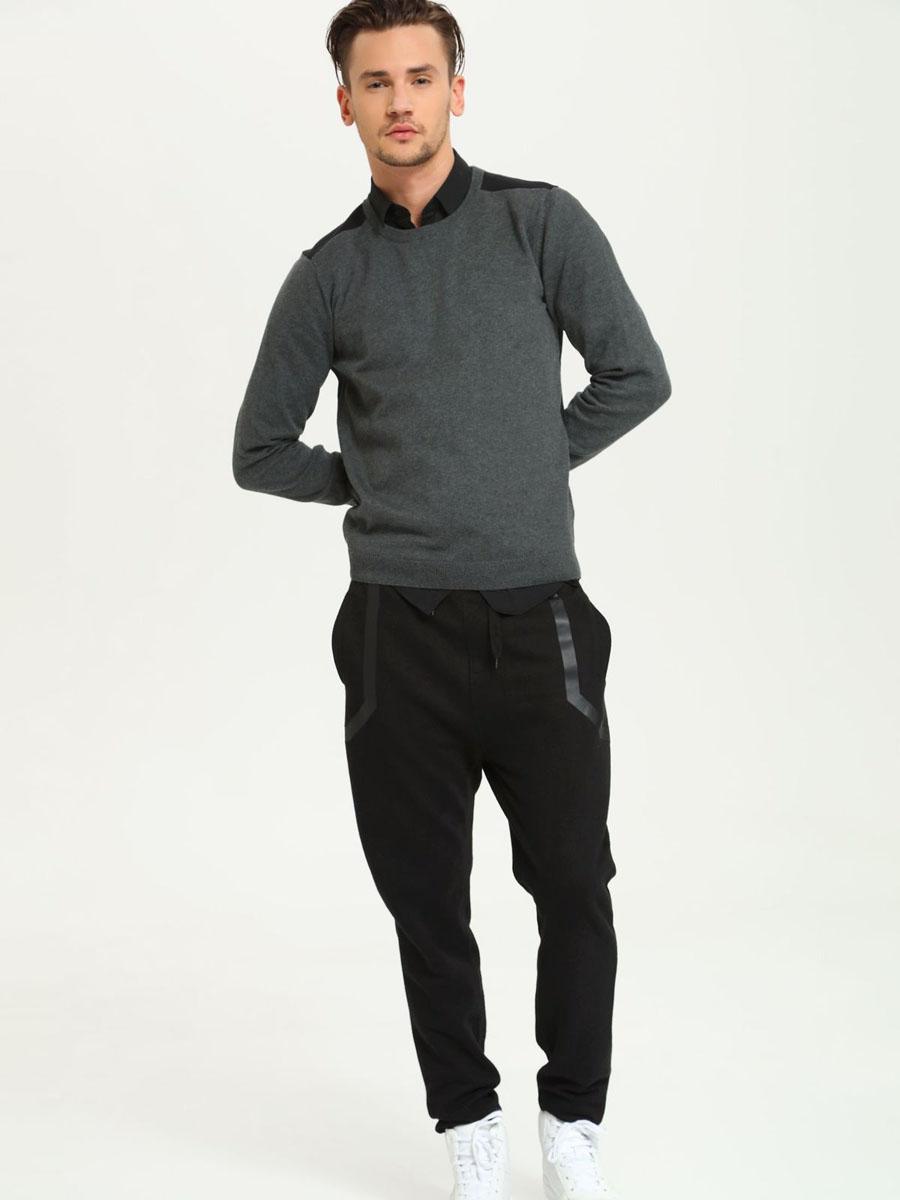 Джемпер мужской Drywash, цвет: темно-серый, черный. DSW0030ST. Размер L (50)DSW0030STСтильный мужской джемпер Drywash, выполненный из натурального хлопка, мягкий и приятный на ощупь, не сковывает движения и позволяет коже дышать, обеспечивая комфорт. Модель с круглым вырезом горловины и длинными рукавами. Низ изделия, край горловины и манжеты связаны эластичной резинкой, что предотвращает деформацию при носке. Уютный джемпер Drywash станет отличным дополнением к вашему гардеробу.