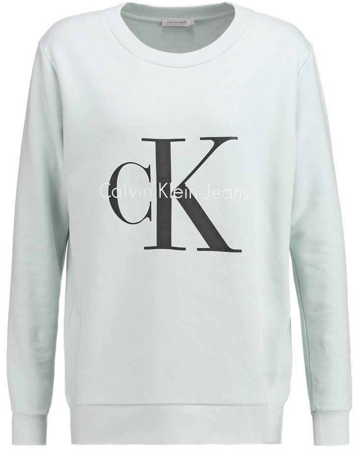 Свитшот женский Calvin Klein Jeans, цвет: бирюзовый. J2IJ202091. Размер L (48/50)W7295DSW1Стильный женский свитшот Calvin Klein Jeans, выполненный из натурального хлопка, невероятно мягкий и приятный на ощупь. Модель с длинными рукавами и круглым вырезом горловины оформлена спереди логотипом бренда. Вырез горловины, манжеты и низ изделия дополнены трикотажными резинками.