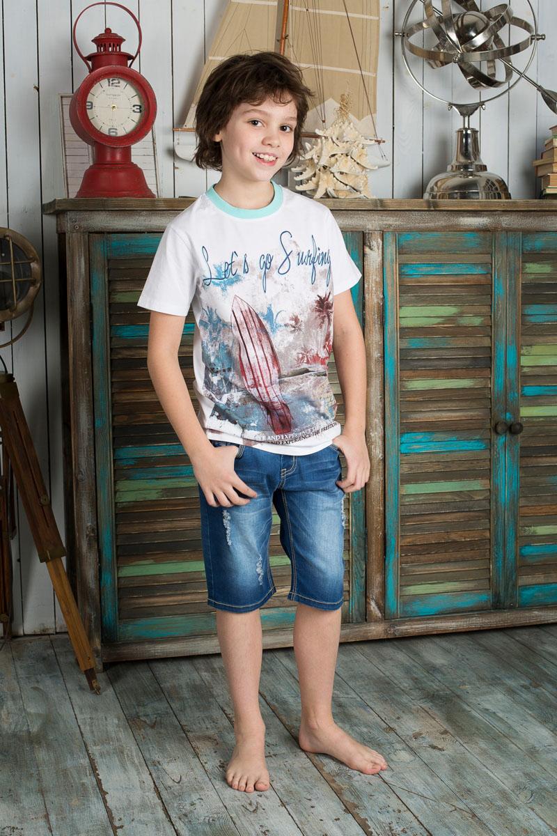 Бриджи для мальчика Luminoso, цвет: темно-синий джинс. 196731. Размер 134, 9 лет196731Стильные джинсовые бриджи для мальчика Luminoso прекрасно подойдут вашему ребенку и станут отличным дополнением к летнему гардеробу. Изготовленные из эластичного хлопка, они мягкие и приятные на ощупь, не сковывают движения и позволяют коже дышать.Бриджи на поясе застегиваются на металлическую пуговицу и имеют шлевки для ремня и ширинку на металлической застежке-молнии. При необходимости пояс можно утянуть скрытой резинкой на пуговицах. Спереди они дополнены двумя втачными карманами и накладным кармашком, а сзади - двумя накладными карманами. Оформлена модель оригинальной прострочкой, эффектом потертости, перманентными складками и рваным эффектом. В таких бриджах ваш ребенок будет чувствовать себя комфортно, уютно и всегда будет в центре внимания!