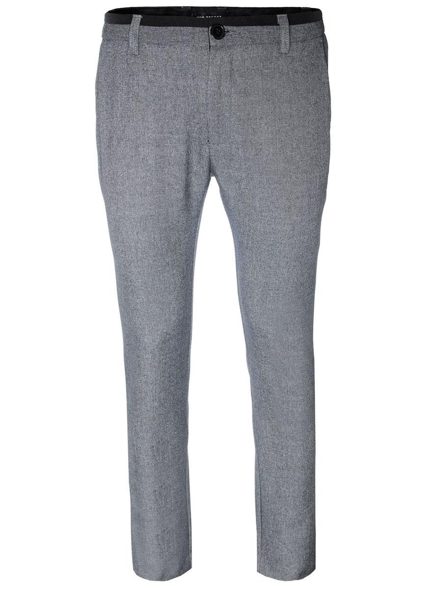 Брюки мужские Top Secret, цвет: серый меланж. SSP2102SZ. Размер 33 (48/50)SSP2102SZСтильные мужские брюки Top Secret, выполненные из высококачественного материала, необычайно мягкие и приятные на ощупь, не сковывают движения, обеспечивая комфорт. Брюки классического кроя и средней посадки застегиваются на пуговицу в поясе и ширинку на молнии, имеются шлевки для ремня. По бокам модель оформлена двумя втачными карманами с косыми срезами, сзади - двумя втачными карманами на пуговицах. Эти модные и в тоже время комфортные брюки послужат отличным дополнением к вашему гардеробу.