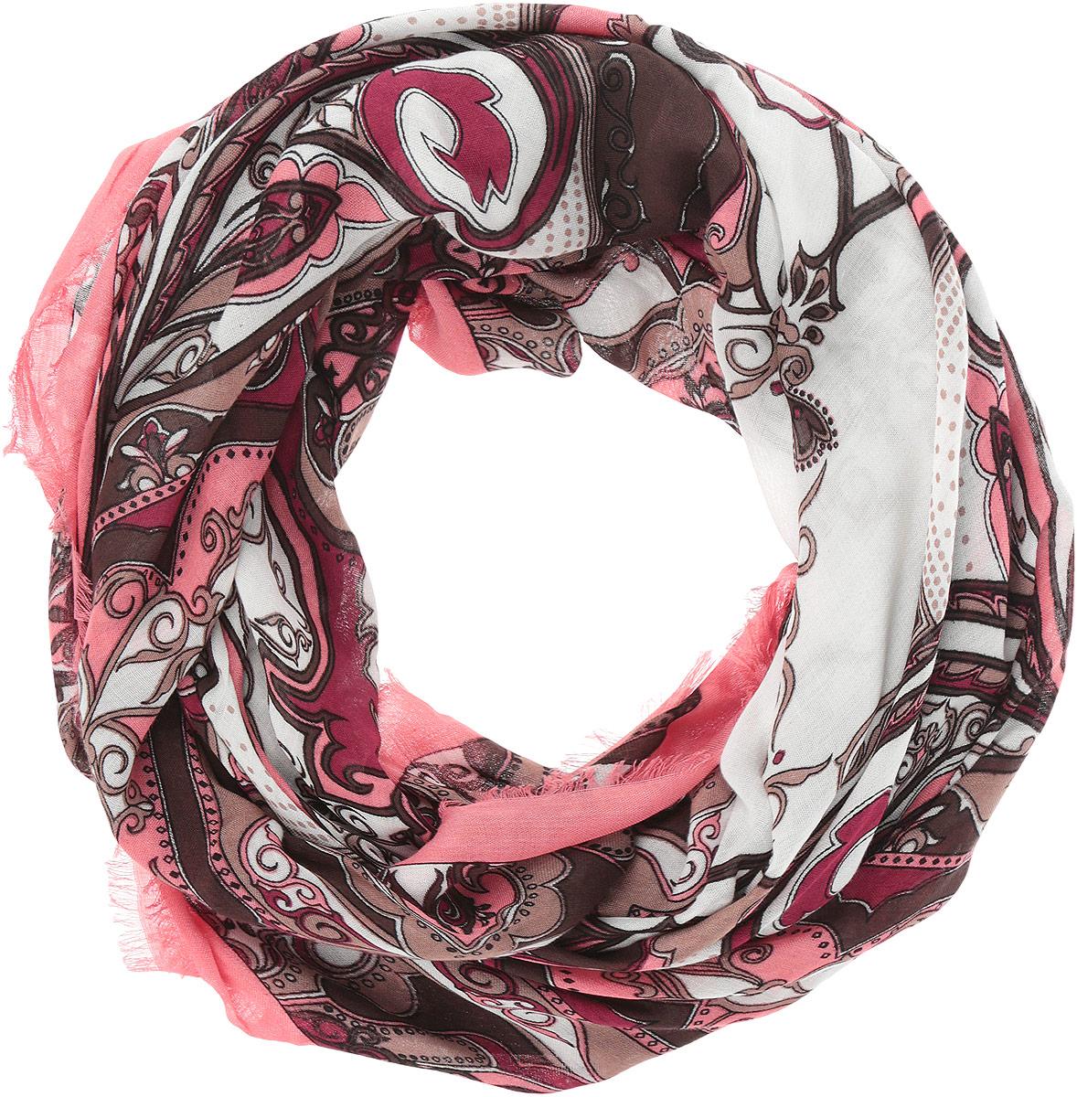 Платок женский Fabretti, цвет: розовый, белый. DS2015-004-25. Размер 111 см х 111 смDS2015-004-25Стильный женский платок Fabretti станет великолепным завершением любого наряда. Платок изготовлен из высококачественного модала с добавлением вискозы, оформлен сложным растительным орнаментом и украшен тонкой бахромой по краям. Классическая квадратная форма позволяет носить платок на шее, украшать им прическу или декорировать сумочку. Мягкий и шелковистый платок поможет вам создать изысканный женственный образ, а также согреет в непогоду. Такой платок превосходно дополнит любой наряд и подчеркнет ваш неповторимый вкус и элегантность.