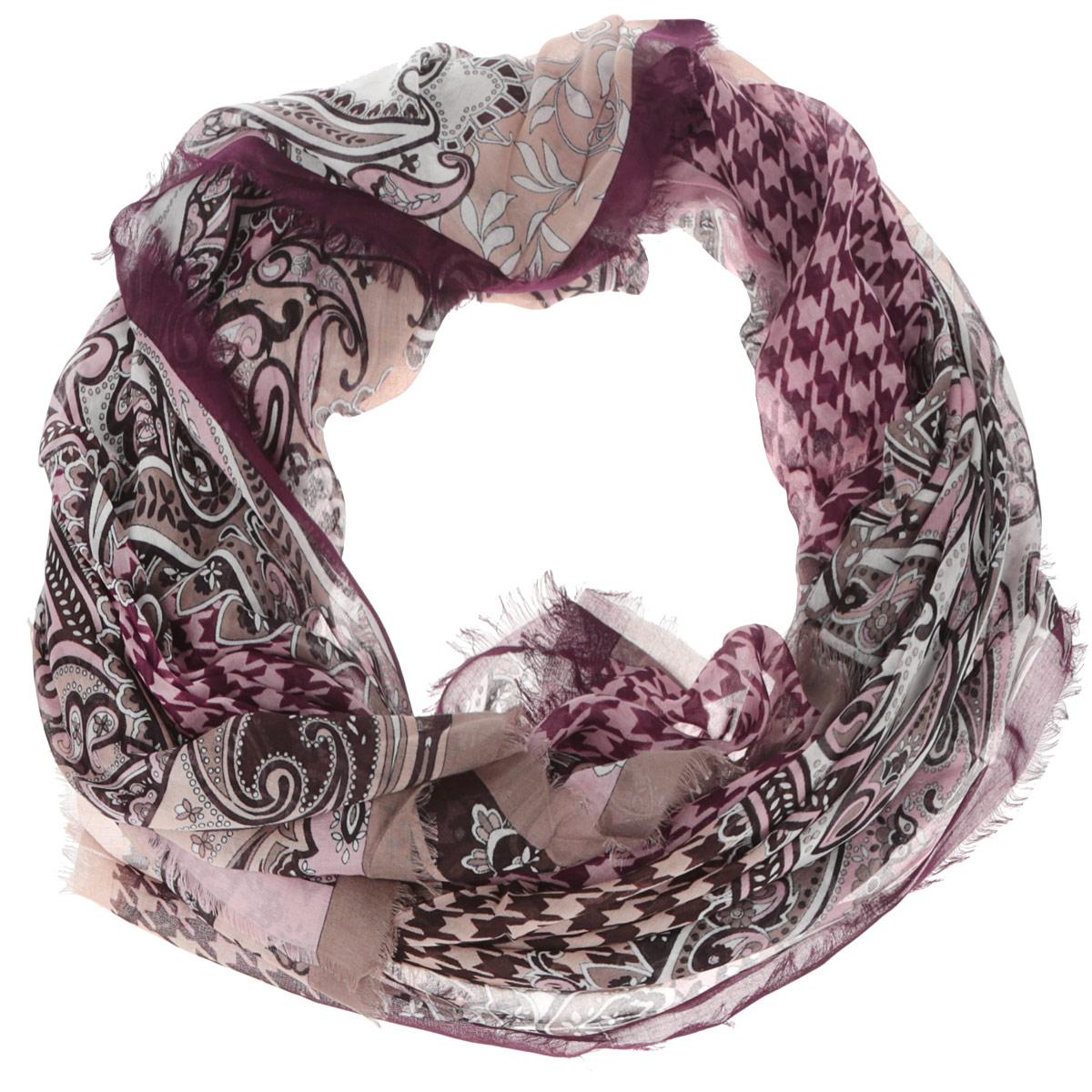 Шарф женский Leo Ventoni, цвет: сливовый, бежевый. CX1516-55-5. Размер 180 см х 90 смCX1516-55-5Модный женский шарф Leo Ventoni подарит вам уют и станет стильным аксессуаром, который призван подчеркнуть вашу индивидуальность и женственность. Тонкий шарф выполнен из высококачественного 100% модала, он невероятно мягкий и приятный на ощупь. Шарф оформлен тонкой бахромой по краю и украшен принтом в мелкую клетку с изображением изысканных этнических узоров.Этот модный аксессуар гармонично дополнит образ современной женщины, следящей за своим имиджем и стремящейся всегда оставаться стильной и элегантной. Такой шарф украсит любой наряд и согреет вас в непогоду, с ним вы всегда будете выглядеть изысканно и оригинально.