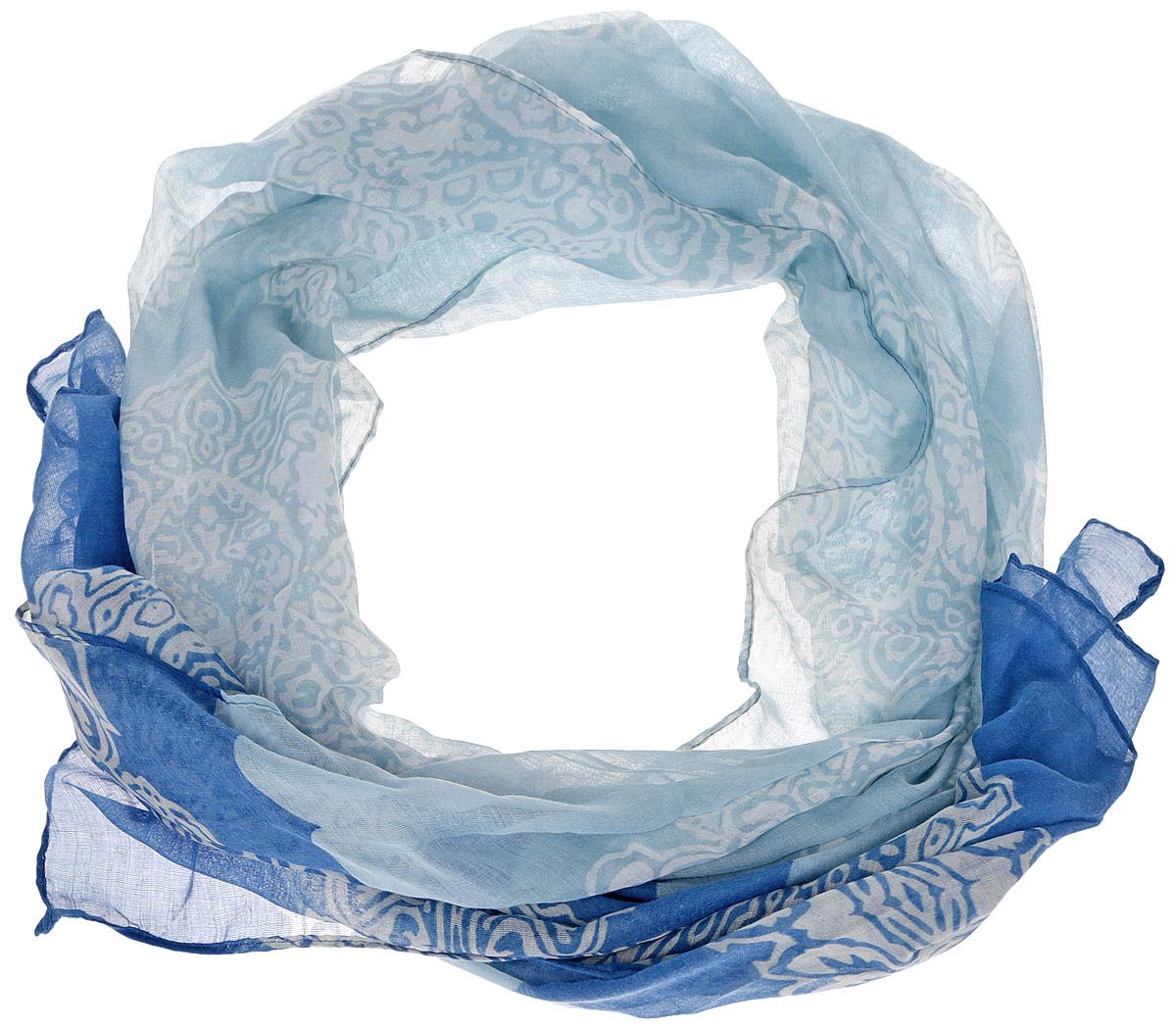 Шарф женский Finn Flare, цвет: голубой, синий, белый. B16-11416. Размер 180 см х 85 смB16-11416Женский шарф Finn Flare станет изысканным аксессуаром, который подчеркнет вашу индивидуальность. Выполненный из вискозы, он очень мягкий и приятный на ощупь. Модель оформлена принтом с узорами.Такой шарф станет стильным дополнением к гардеробу современной женщины, а также подарит ощущение комфорта и уюта.