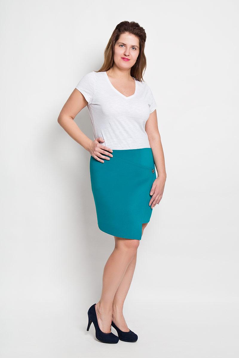 Юбка Milana Style, цвет: бирюзовый. 1008. Размер XXL (52)1008Эффектная юбка Milana Style выполнена из высококачественного плотного материала на основе полиэстера, она обеспечит вам комфорт и удобство при носке.Юбка оригинального ассиметричного фасона украшена двумя декоративными пуговицами. Модная юбка-миди выгодно освежит и разнообразит ваш гардероб. Создайте женственный образ и подчеркните свою яркую индивидуальность! Классический фасон и оригинальное оформление этой юбки сделают ваш образ непревзойденным.