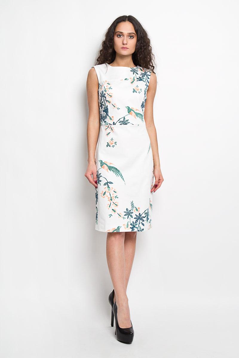 Платье Baon, цвет: белый, зеленый, оранжевый. B455040. Размер M (46)B455040Элегантное платье Baon выполнено из высококачественного эластичного хлопка . Такое платье обеспечит вам комфорт и удобство при носке.Модель без рукавов, с круглым вырезом горловины выгодно подчеркнет все достоинства вашей фигуры благодаря приталенному силуэту.Платье-миди застегивается на застежку-молнию на спинке. Изделие украшено крупным принтом с изображением цветов и птиц. Изысканное платье-миди создаст обворожительный и неповторимый образ.Это модное и удобное платье станет превосходным дополнением к вашему гардеробу, оно подарит вам удобство и поможет вам подчеркнуть свой вкус и неповторимый стиль.