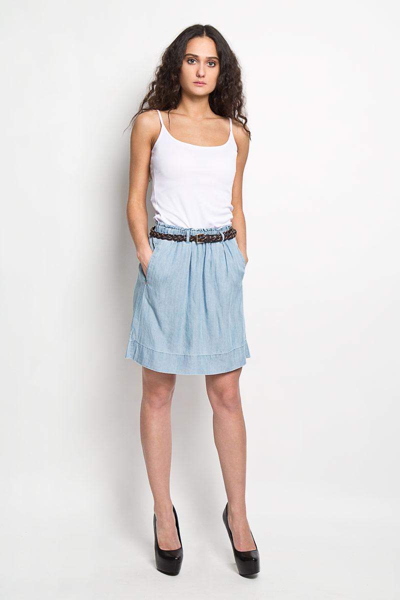 Юбка Baon, цвет: голубой. B475027. Размер XL (50)B475027Эффектная юбка Baon выполнена из высококачественной вискозы, она обеспечит вам комфорт и удобство при носке.Юбка-миди имеет широкую эластичную резинку на поясе. Модель дополнена двумя втачными карманами спереди, на поясе имеются шлевки для ремня. В комплект входит плетеный ремень с металлической пряжкой, который органично дополняет юбку. Модная юбка-миди выгодно освежит и разнообразит ваш гардероб. Создайте женственный образ и подчеркните свою яркую индивидуальность! Классический фасон и оригинальное оформление этой юбки сделают ваш образ непревзойденным.