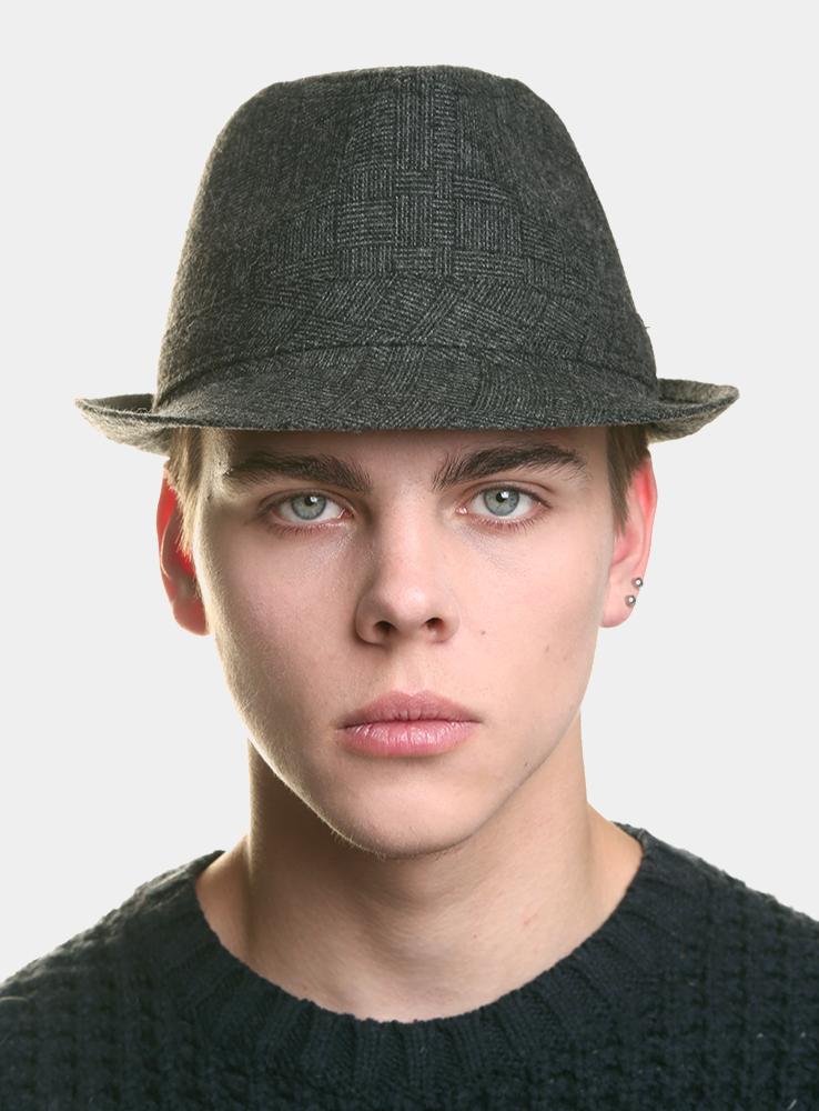 Шляпа мужская Canoe Harper, цвет: серый. 3434137. Размер 573434137Классическая шляпа Canoe Harpert непременно украсит любой наряд.Шляпа выполнена из шерсти и полиэстера. Модель с небольшими полями, по бокам слегка закрученными вверх. Внутри шляпы пришита лента по окружности, для удобной посадки на голову. Такая шляпа подчеркнет вашу неповторимость и дополнит ваш повседневный образ.