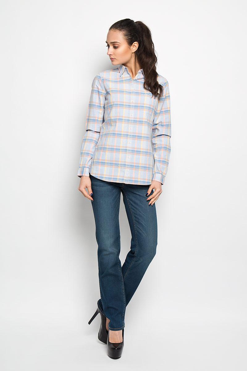 Рубашка женская Wrangler, цвет: голубой, желтый, персиковый. W51599P67. Размер S (42)W51599P67Стильная женская рубашка Wrangler, выполненная из натурального хлопка, прекрасно подойдет для повседневной носки. Материал очень мягкий и приятный на ощупь, не сковывает движения и позволяет коже дышать.Рубашка слегка приталенного кроя с отложным воротником и длинными рукавами застегивается на пуговицы по всей длине. На груди модели предусмотрен накладной карман. Манжеты рукавов также застегиваются на пуговицы. Изделие оформлено принтом в клетку. Такая модель будет дарить вам комфорт в течение всего дня и станет модным дополнением к вашему гардеробу.