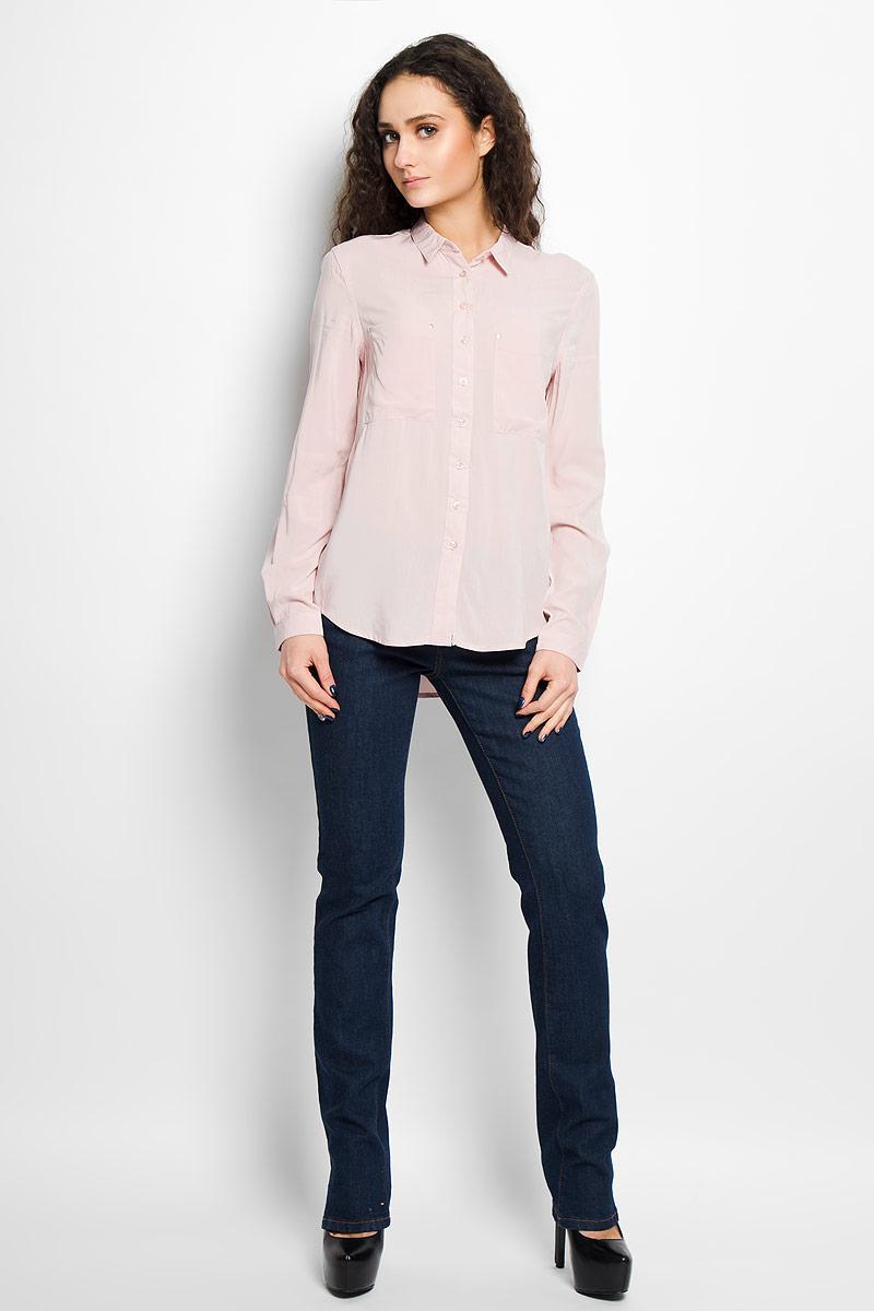 Рубашка женская Top Secret, цвет: светло-розовый. SKL1869RO. Размер 34 (40)SKL1869ROСтильная женская рубашка Top Secret, выполненная из высококачественной вискозы, мягкая и приятная на ощупь, не сковывает движения, обеспечивая комфорт. Модель с отложным воротником и длинными рукавами застегивается на пластиковые пуговицы по всей длине. Манжеты изделия застегиваются на пуговицы. Спереди модель дополнена двумя накладным карманами, декорированными металлическими клепками. Эта модная и удобная рубашка послужит отличным дополнением к вашему гардеробу.