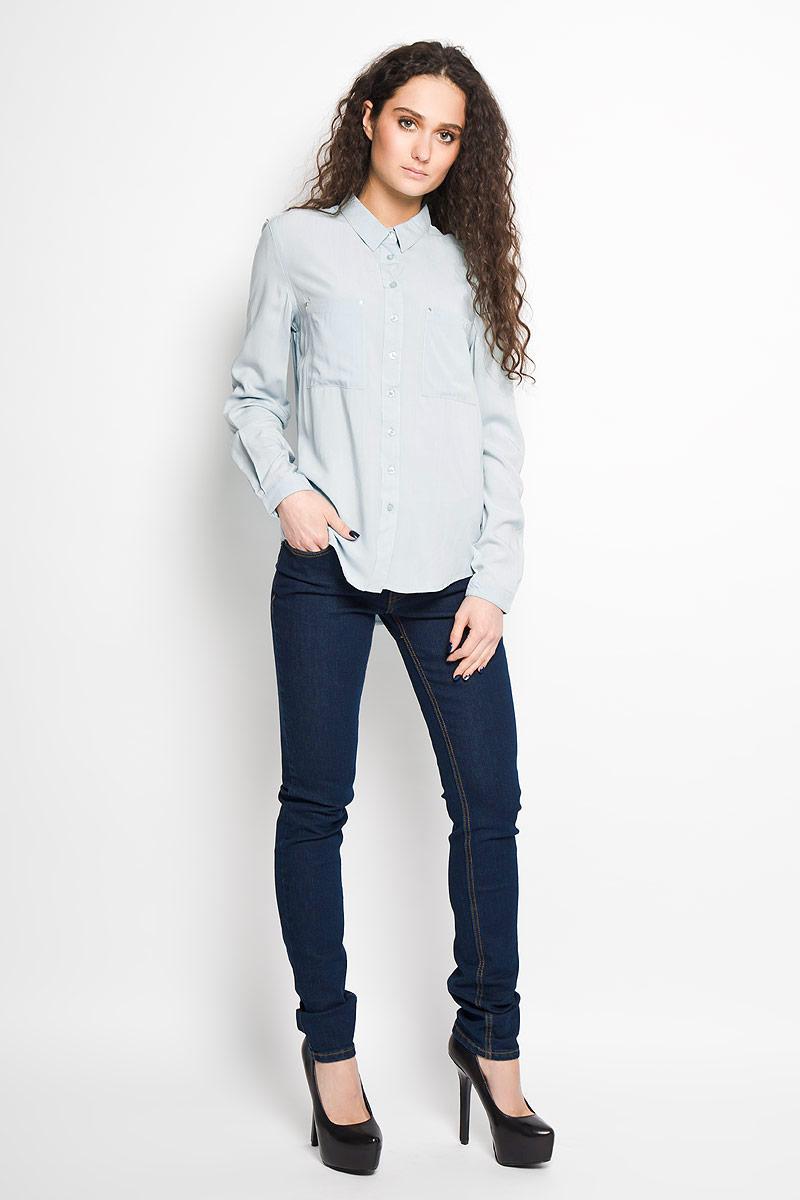 Рубашка женская Top Secret, цвет: светло-бирюзовый. SKL1936TU. Размер 36 (42)SKL1936TUСтильная женская рубашка Top Secret, выполненная из высококачественной вискозы, мягкая и приятная на ощупь, не сковывает движения, обеспечивая комфорт. Модель с отложным воротником и длинными рукавами застегивается на пластиковые пуговицы по всей длине. Манжеты изделия застегиваются на пуговицы. Спереди модель дополнена двумя накладным карманами, декорированными металлическими клепками. Эта модная и удобная рубашка послужит отличным дополнением к вашему гардеробу.