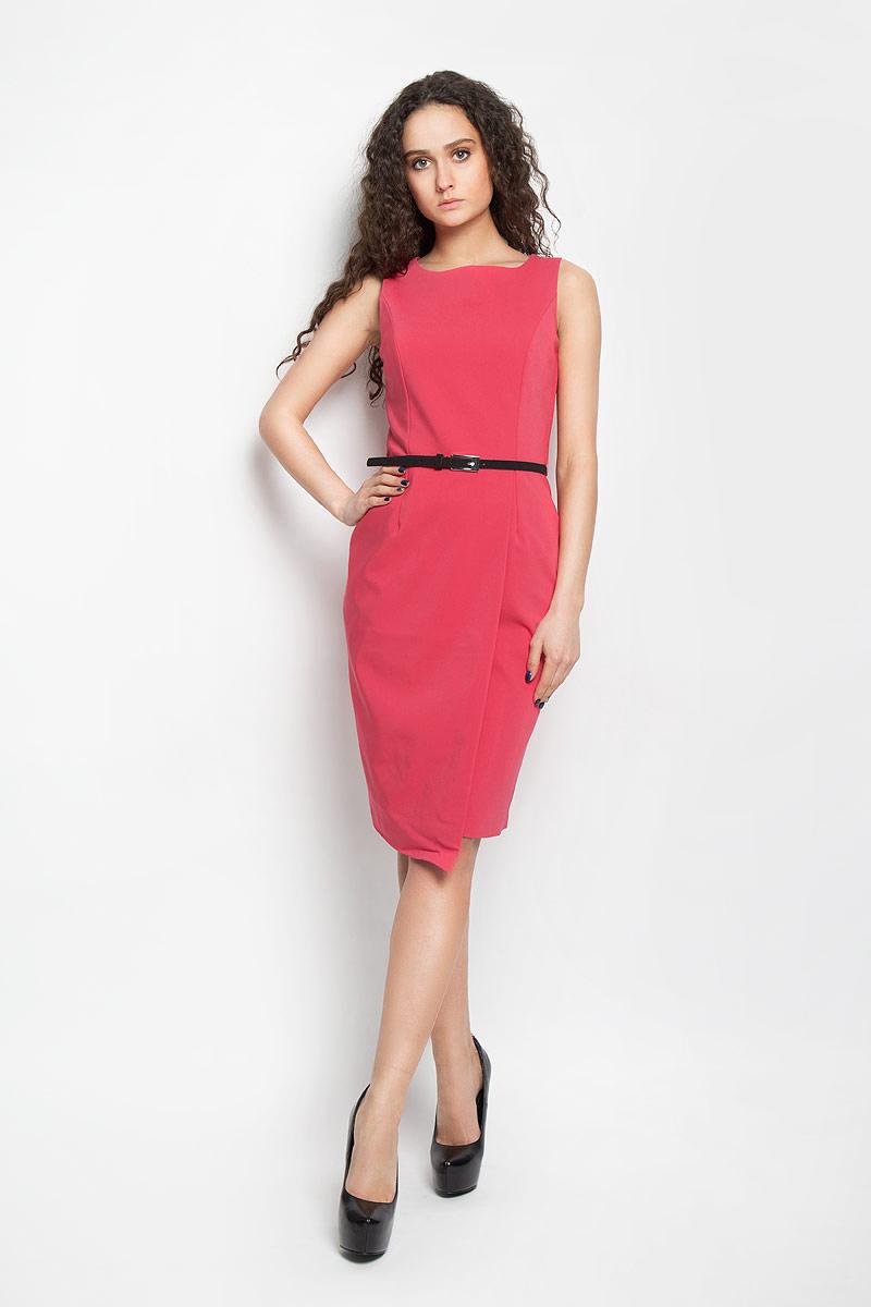 Платье Top Secret, цвет: коралловый. SSU1476RO. Размер 42 (48)SSU1476ROОчаровательное платье Top Secret, выполненное из высококачественного материала с подкладкой, идеально впишется в ваш гардероб.Модель приталенного кроя без рукавов и круглым вырезом горловины застёгивается по спинке на потайную застежку-молнию. Изысканное платье-миди, оформленное вытачками на груди и оригинальным запахом на юбке, создаст обворожительный неповторимый образ. Талию подчеркнет тонкий ремешок, регулируемый металлической пряжкой.Это модное и удобное платье станет превосходным дополнением к вашему гардеробу, оно подарит вам удобство и поможет вам подчеркнуть свой вкус и неповторимый стиль.