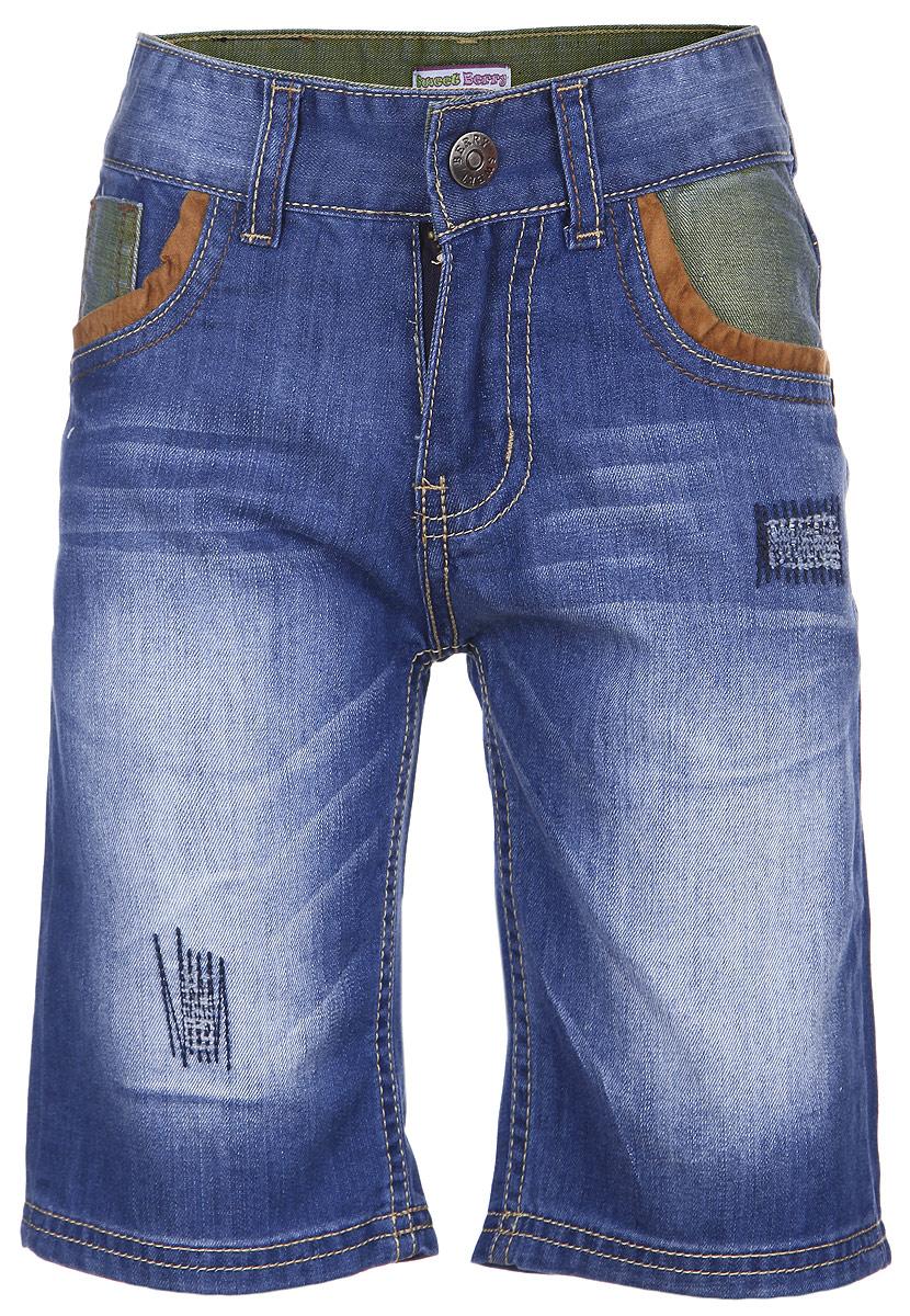 Шорты для мальчика Sweet Berry, цвет: синий. 196320. Размер 98, 3 года196320Джинсовые шорты для мальчика Sweet Berry идеально подойдут маленькому моднику и станут отличным дополнением к детскому гардеробу. Шорты выполнены из хлопка, не сковывают движения и позволяют коже дышать, обеспечивая наибольший комфорт. Шорты на талии застегиваются на металлический крючок и имеют ширинку на застежке-молнии, а также шлевки для ремня. С внутренней стороны пояс регулируется скрытой резинкой на пуговицах. Спереди расположены два втачных кармана и один маленький накладной, а сзади - два накладных кармана. Оформлено изделие контрастной отстрочкой и металлическими клепками, а также легким эффектом потертости.В таких стильных шортах ваш маленький мужчина будет чувствовать себя комфортно и всегда будет в центре внимания!