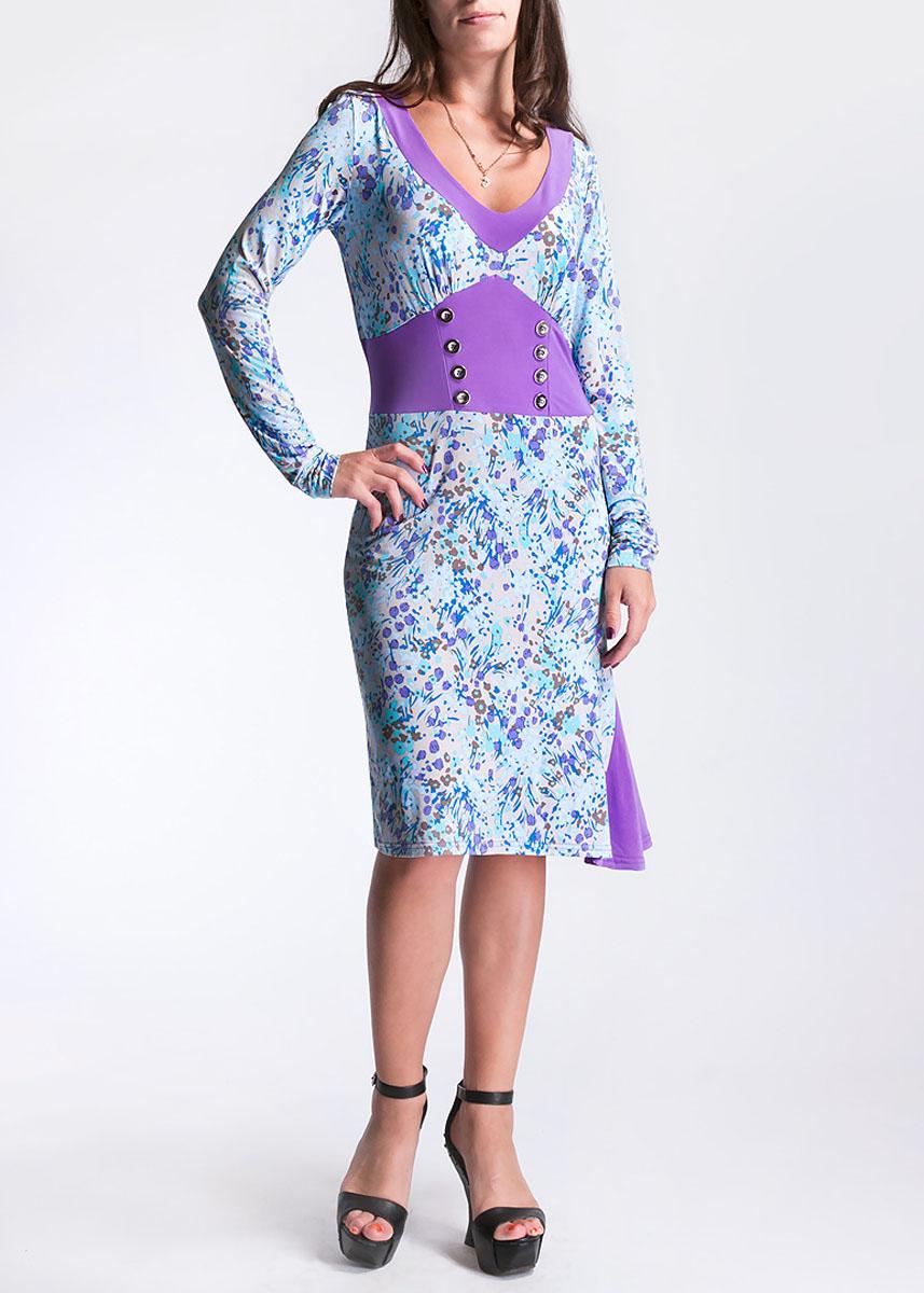 Платье Hammond, цвет: голубой. 1-12-5-16. Размер 441-12-5-16Стильное платье из тяжелого струящегося трикотажа с цветочным узором подойдет не только для повседневной носки, но и с легкостью создаст романтический образ. Одна однотонная вставка подчеркивает V-образный вырез горловины, другая - имитирует корсет с двумя рядами пуговиц и небольшой клинышек в подоле. Это стильное платье станет прекрасным выбором для офиса или просто встреч с друзьями.