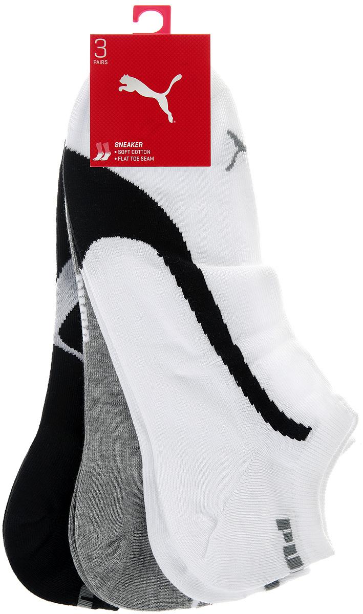 Носки Puma Lifestyle Sneakers 3P, цвет: белый, серый, черный, 3 пары. 88641201. Размер 43/4688641201Укороченные носки Puma Lifestyle Sneakers 3P, изготовленные из высококачественного трикотажа, подходят как для занятий спортом, так и для повседневного ношения. Удобная резинка не сдавливает и комфортно облегает ногу. Воздухопроницаемость и вентиляция за счет тонких сетчатых зон. Плоский шов в зоне большого пальца для предотвращения давления и натирания. Вывод влаги для сухости и комфорта стопы. Легкость. Оформлены носки оригинальным рисунком.Идеальное сочетание практичности, легкости и комфорта.В комплект входят три пары носков.