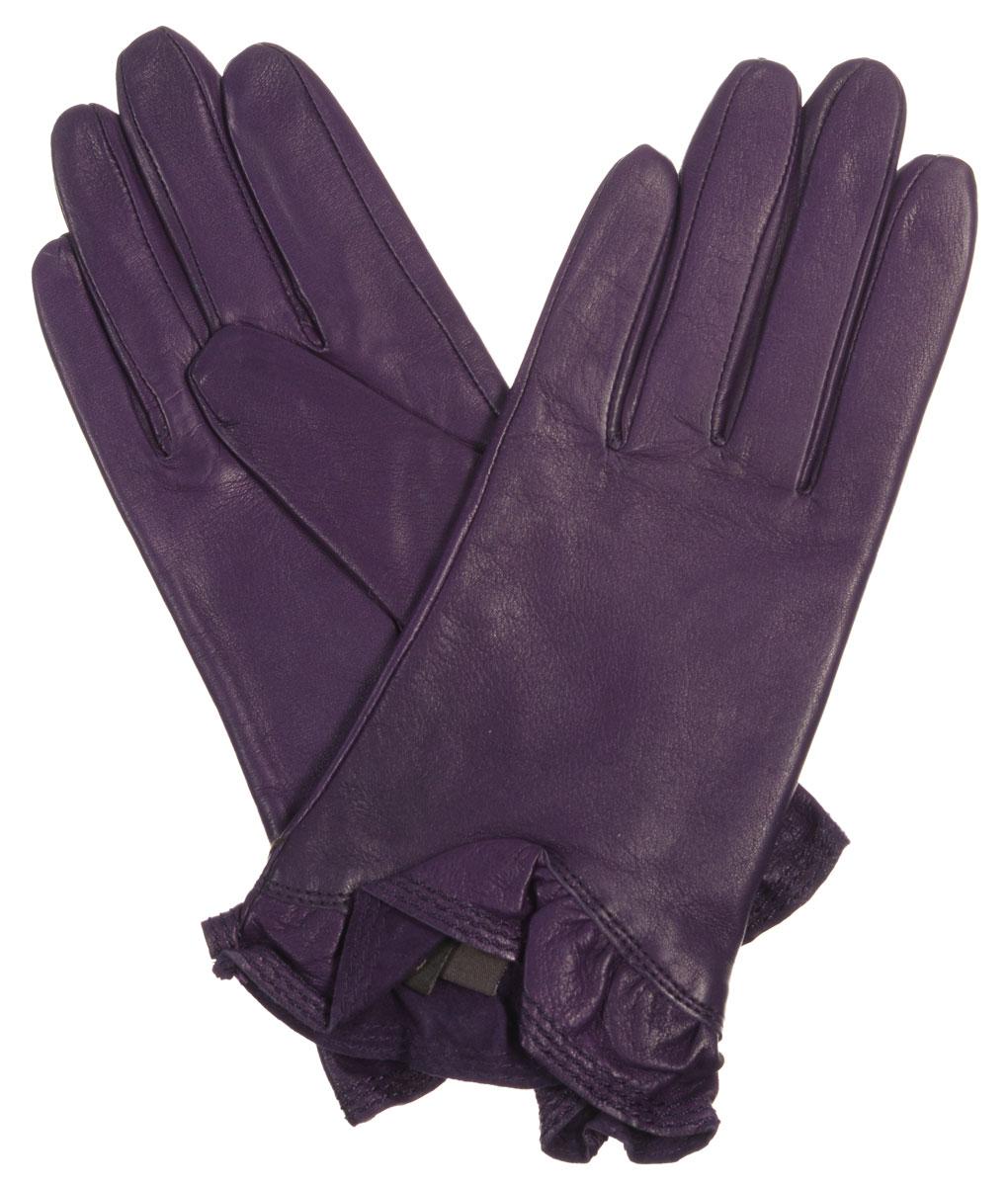 Перчатки женские Eleganzza, цвет: фиолетовый. IS01818. Размер 7IS01818Стильные женские перчатки Eleganzza выполнены из чрезвычайно мягкой и приятной на ощупь натуральной кожи ягненка, а их подкладка - из 100% шелка. Модель декорирована кожаной оборкой по краю манжеты. В настоящее время перчатки являются неотъемлемой принадлежностью одежды, вместе с этим аксессуаром вы обретаете женственность и элегантность. Они станут завершающим и подчеркивающим элементом вашего стиля и неповторимости.
