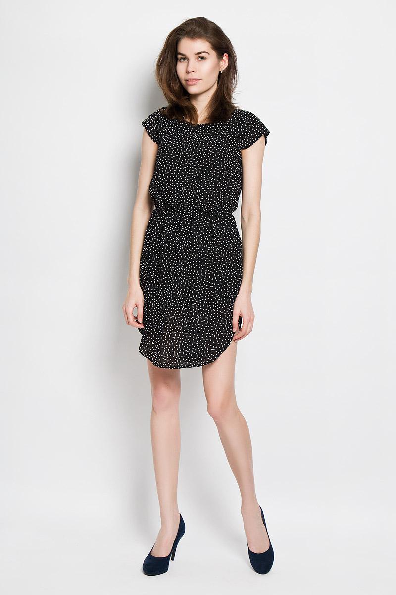 Платье Baon, цвет: черный, белый. B456105. Размер L (48)B456105Платье Baon станет модным и стильным дополнением к вашему летнему гардеробу. Выполненное из полиэстера, оно легкое и воздушное, приятное на ощупь, не сковывает движений, хорошо вентилируется.Модель с круглым вырезом горловины и короткими рукавами-крылышками застегивается сзади на пуговицу. На талии платье присборено на эластичную резинку. Низ модели закруглен. Оформлено изделие мелким принтом по всей поверхности.Эффектное платье поможет создать яркий и привлекательный образ, а также подарит вам комфорт.