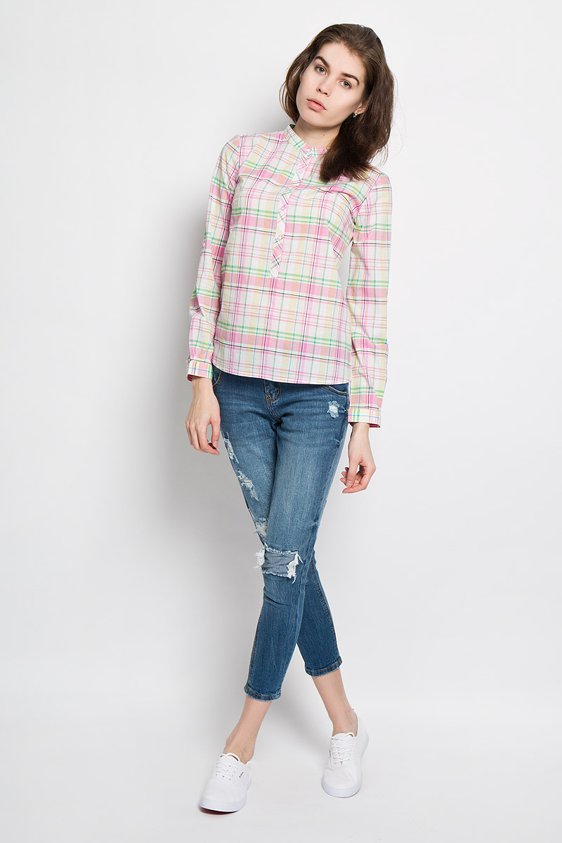 Рубашка женская Sela Casual, цвет: неоновый желтый, розовый, зеленый. B-112/713-6173. Размер M (46)B-112/713-6173Стильная женская рубашка Sela Casual, выполненная из натурального хлопка, прекрасно подойдет для повседневной носки. Материал очень легкий, мягкий и приятный на ощупь, не сковывает движения и позволяет коже дышать.Рубашка с небольшим воротником-стойкой и длинными рукавами застегивается сверху на пуговицы. Длину рукавов можно изменить при помощи хлястиков на пуговицах. Манжеты рукавов также застегиваются на пуговицы. Изделие оформлено принтом в клетку. Такая рубашка будет дарить вам комфорт в течение всего дня и станет модным дополнением к вашему гардеробу.