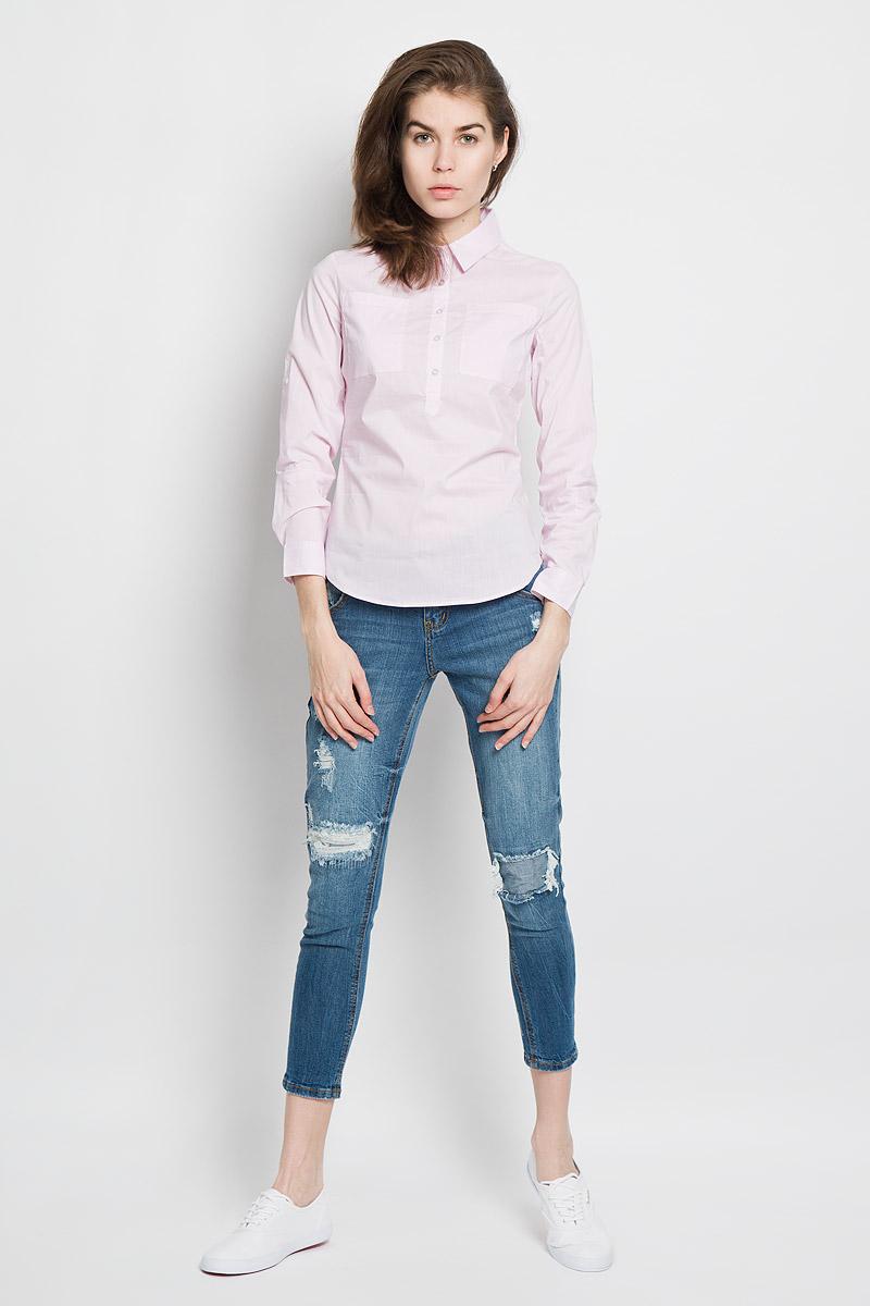 Рубашка женская Sela Casual, цвет: пастельно-розовый, белый. B-312/1001-6122. Размер L (48)B-312/1001-6122Женская рубашка Sela Casual, выполненная из эластичного хлопка с добавлением нейлона, станет модным дополнением к вашему гардеробу. Материал очень мягкий и приятный на ощупь, не сковывает движения и хорошо вентилируется.Рубашка слегка приталенного кроя с отложным воротником и длинными рукавами застегивается сверху на пуговицы. На груди модели предусмотрены два накладных кармана. Длину рукавов можно изменить при помощи хлястиков на пуговицах. Манжеты рукавов также застегиваются на пуговицы. Изделие оформлено принтом в полоску. Современный дизайн и расцветка делают эту рубашку стильным предметом женской одежды. Такая модель подарит вам комфорт в течение всего дня.