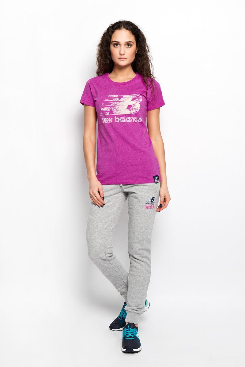 Футболка женская New Balance, цвет: фуксия. WT53504/AZH. Размер L (48)WT53504/AZHМодная женская футболка New Balance, выполненная из хлопка и полиэстера, обладает высокой теплопроводностью, воздухопроницаемостью и гигроскопичностью, позволяет коже дышать.Модель с короткими рукавами и круглым вырезом горловины - идеальный вариант для создания стильного образа. На груди изделие оформлено полупрозрачной вставкой в виде логотипа бренда. Такая модель подарит вам комфорт в течение всего дня и послужит замечательным дополнением к вашему гардеробу.