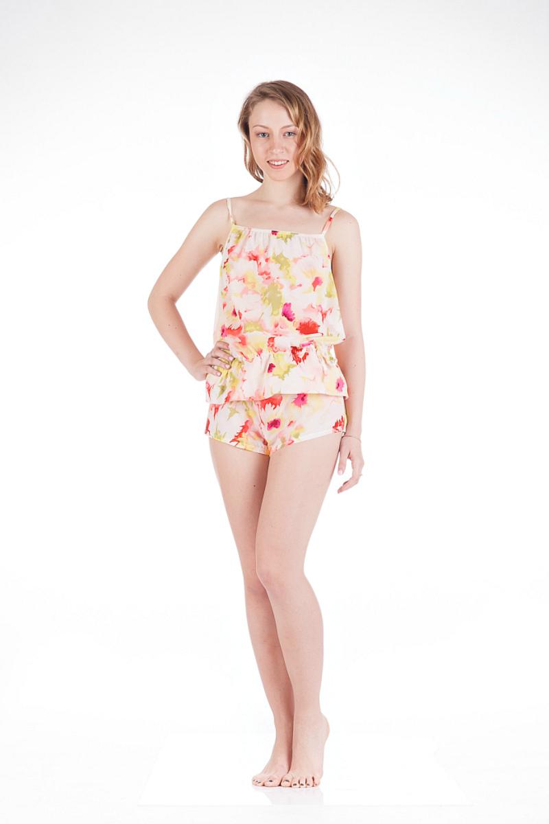 Пижама женская Lowry, цвет: молочный, розовый, желтый. LS-2. Размер S (42/44)LS-2Пижама женская Lowry, состоящая из майки и шорт, станет отличным дополнением к вашему домашнему гардеробу. Изделия выполнены из приятного на ощупь полупрозрачного эластичного материала.Майка свободного силуэта на тонких, регулируемых по длине, бретельках дополнена затягивающимся шнурком на уровне талии, образуя при этом изящные складки. Вырез горловины и проймы дополнены резинками. Легкие шорты выполнены с разрезами по бокам, эластичной резинкой на поясе и мягкой ластовицей.Домашняя одежда играет большую роль в гардеробе женщины, ведь каждой женщине хочется даже дома выглядеть привлекательной.