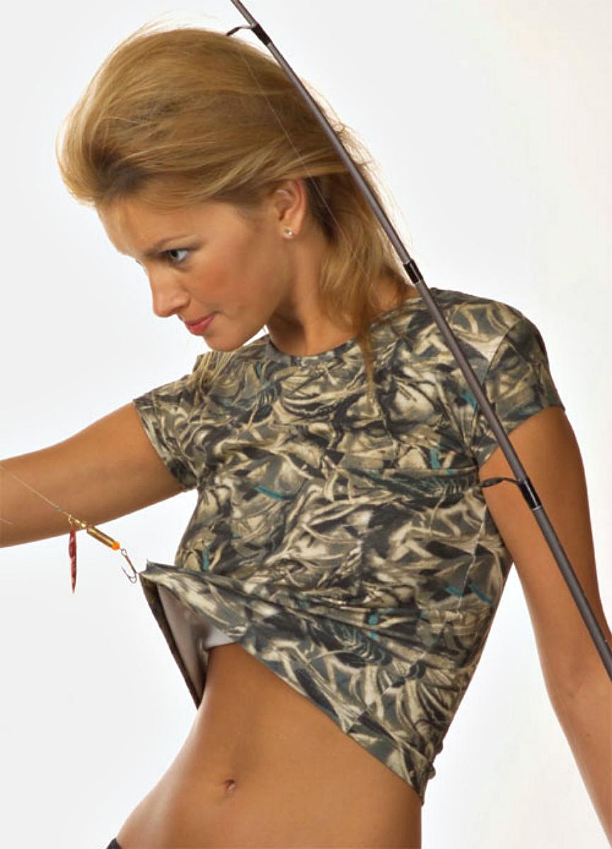 Футболка женская Lowry, цвет: хаки, серо-бежевый. LF-38. Размер S (42/44)LF-38Стильная футболка Lowry изготовлена из высококачественного материала. Модель приятная на ощупь, не сковывает движения, обеспечивая наибольший комфорт.Укороченная модель с круглым вырезом горловины и короткими рукавами имеет приталенный крой. Такая комфортная футболка будет прекрасным дополнением к вашему гардеробу.