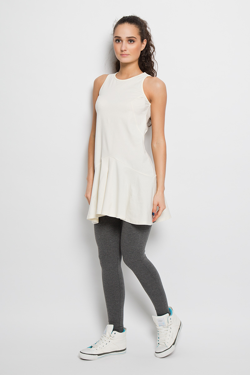 Платье для фитнеса женское Grishko, цвет: молочный. AL- 2766. Размер 44AL- 2766Спортивное платье Grishko, выполненное из хлопка с добавлением лайкры, идеально подойдёт ля занятия фитнесом или повседневной носки.Модель свободного кроя без рукавов и круглым вырезом горловины. Платье оформлено клиновидными вставками и складками по низу изделия. Спинка немного удлинена. На спинке небольшая термоаппликация с логотипом «Grishko». Такая модель станет незаменимой вещью в вашем гардеробе.