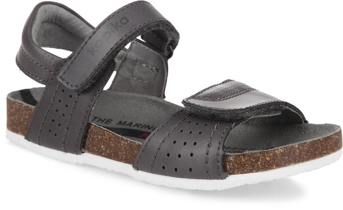 Сандалии для девочки Kapika, цвет: тауп. 32229-1. Размер 2832229-1Модные сандалии от Kapika не оставят равнодушной вашу девочку! Модель изготовлена из натуральной кожи и оформлена перфорацией. Ремешки с застежками-липучками, один из которых оформлен названием бренда, прочно закрепят обувь на ножке и отрегулируют нужный объем. Внутренняя поверхность и стелька из натуральной кожи комфортны при движении. Подошва с рифлением обеспечивает отличное сцепление с поверхностью. Практичные и стильные сандалии займут достойное место в гардеробе вашей девочки.