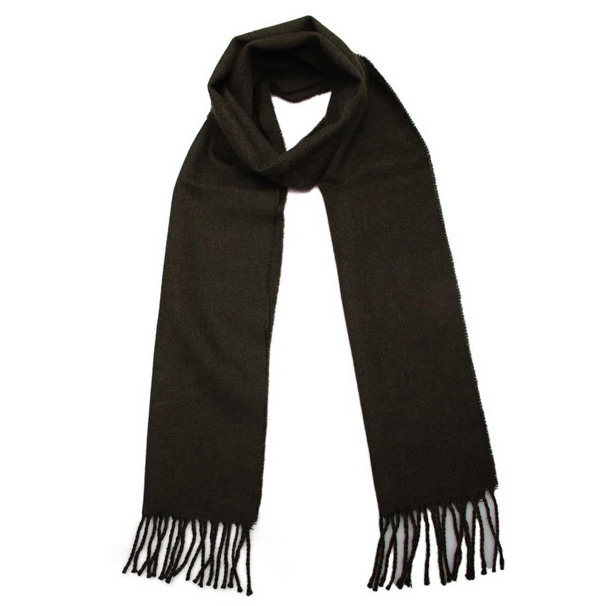 Шарф мужской Venera, цвет: темно-зеленый. 5003132-16. Размер 25 см х 170 см5003132-16Элегантный мужской шарф Venera согреет вас в холодное время года, а также станет изысканным аксессуаром, который призван подчеркнуть ваш стиль и индивидуальность. Оригинальный теплый шарф выполнен из высококачественной пряжи из шерсти и акрила. Однотонный шарф имеет строгую классическую расцветку и дополнен жгутиками по краю.Такой шарф станет превосходным дополнением к любому наряду, защитит вас от ветра и холода и позволит вам создать свой неповторимый стиль.