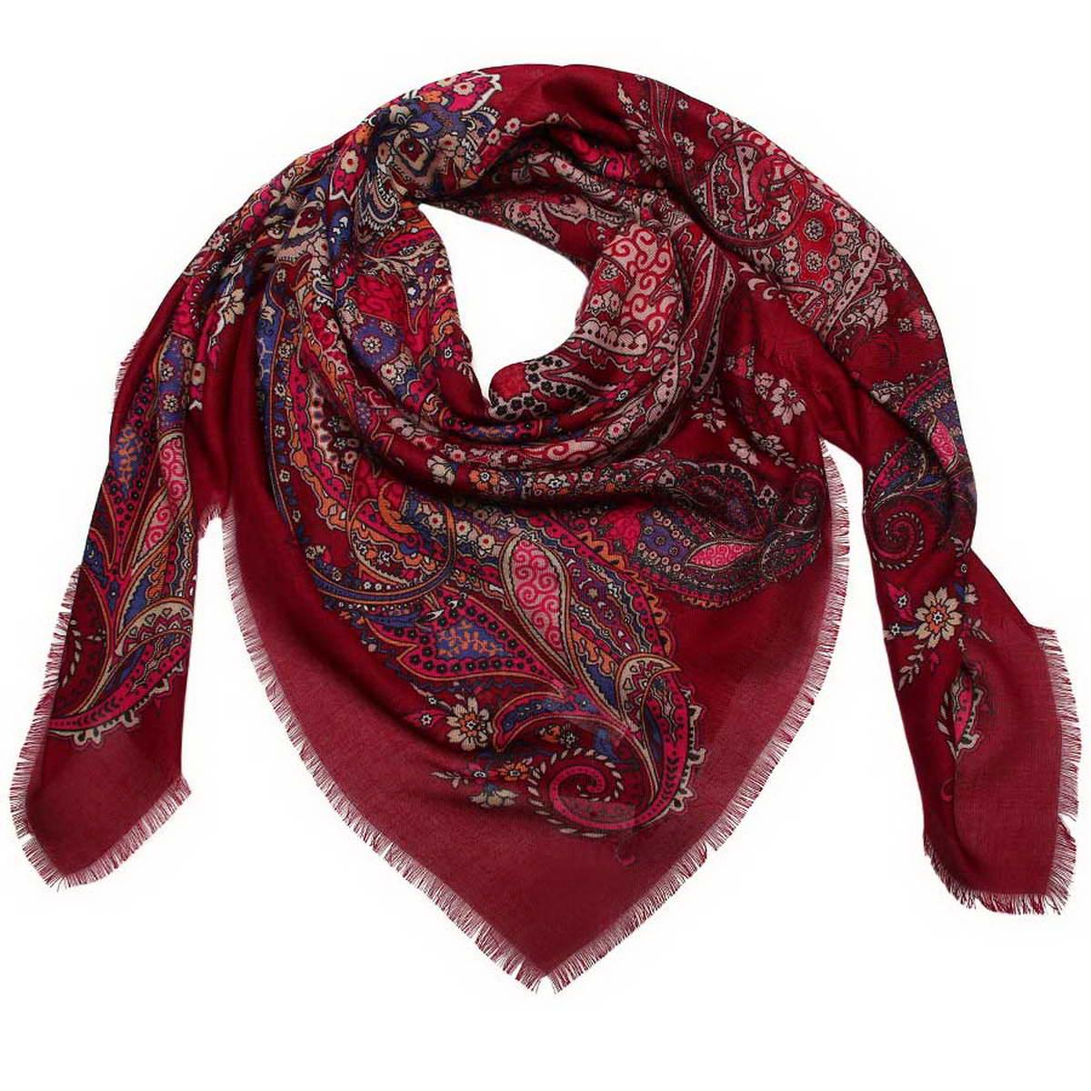 Платок женский Venera, цвет: бордовый, синий, фуксия. 6000452-03. Размер 120 см х 120 см6000452-03Стильный женский платок Venera станет великолепным завершением любого наряда. Платок изготовлен из полиэстера и оформлен оригинальным принтом. Края изделия дополнены бахромой.Классическая квадратная форма позволяет носить платок на шее, украшать им прическу или декорировать сумочку. Легкий и приятный на ощупь платок поможет вам создать изысканный женственный образ. Такой платок превосходно дополнит любой наряд и подчеркнет ваш неповторимый вкус и элегантность.