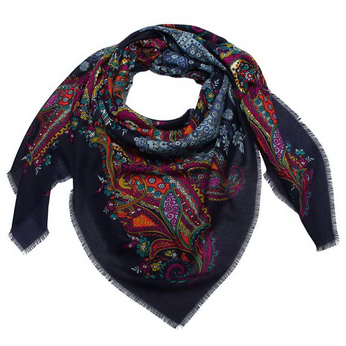 Платок женский Venera, цвет: темно-синий, фиолетовый, голубой. 6000452-11. Размер 120 см х 120 см6000452-11Стильный женский платок Venera станет великолепным завершением любого наряда. Платок изготовлен из полиэстера и оформлен оригинальным принтом. Края изделия дополнены бахромой.Классическая квадратная форма позволяет носить платок на шее, украшать им прическу или декорировать сумочку. Легкий и приятный на ощупь платок поможет вам создать изысканный женственный образ. Такой платок превосходно дополнит любой наряд и подчеркнет ваш неповторимый вкус и элегантность.